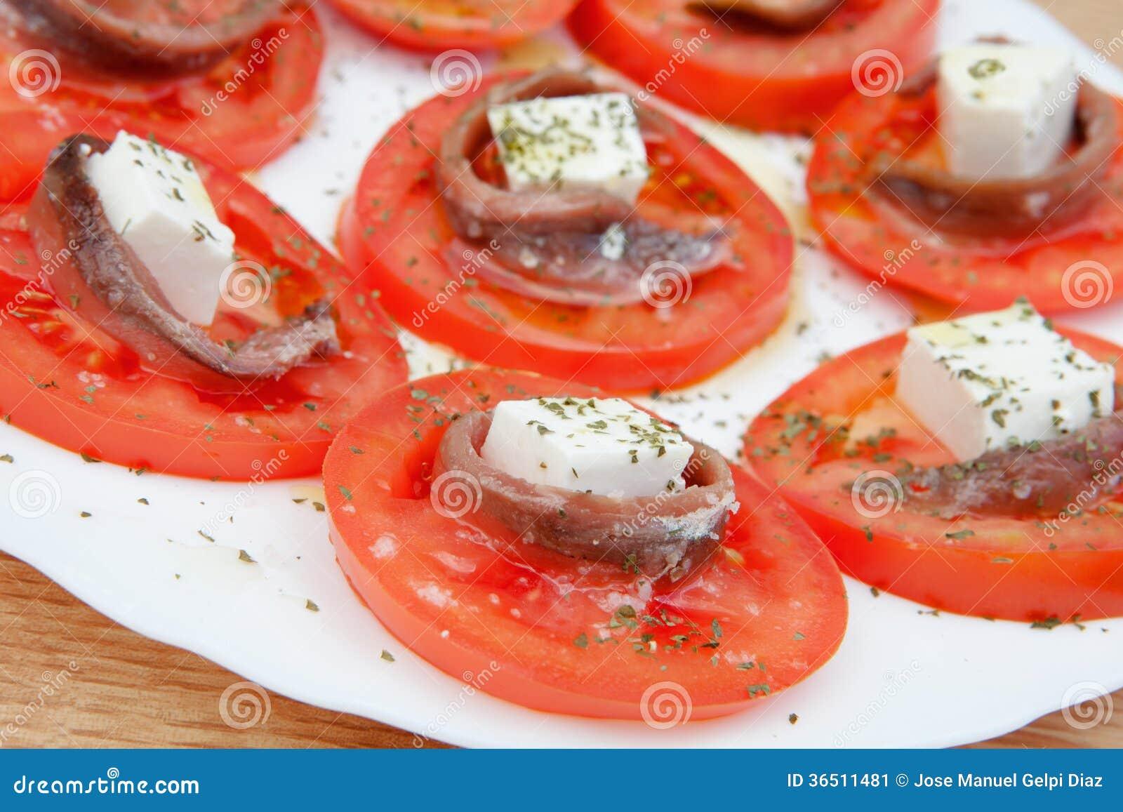 Tranches savoureuses de tomate avec du fromage
