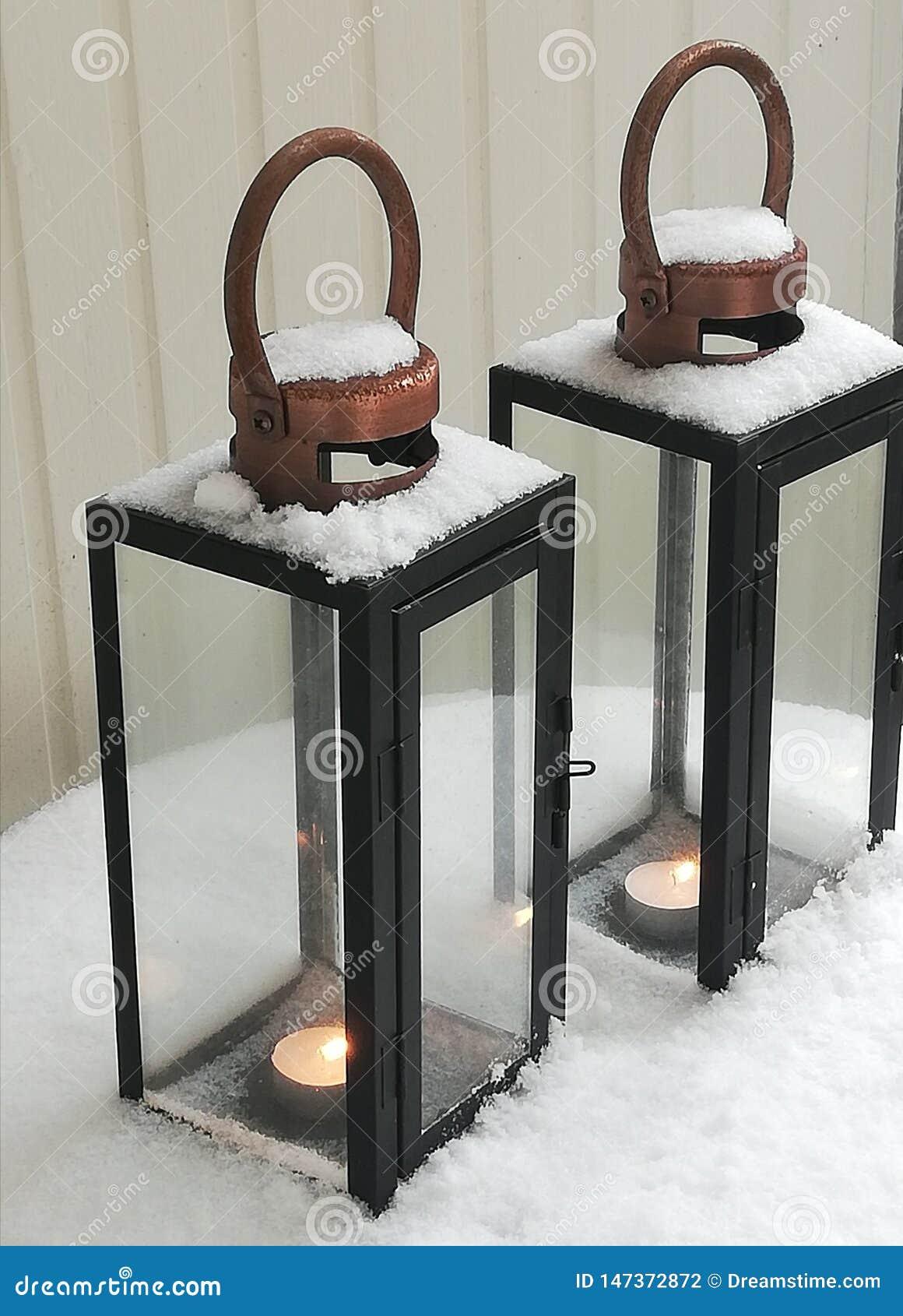 Tranquilité de neige de la Scandinavie du feu et de glace
