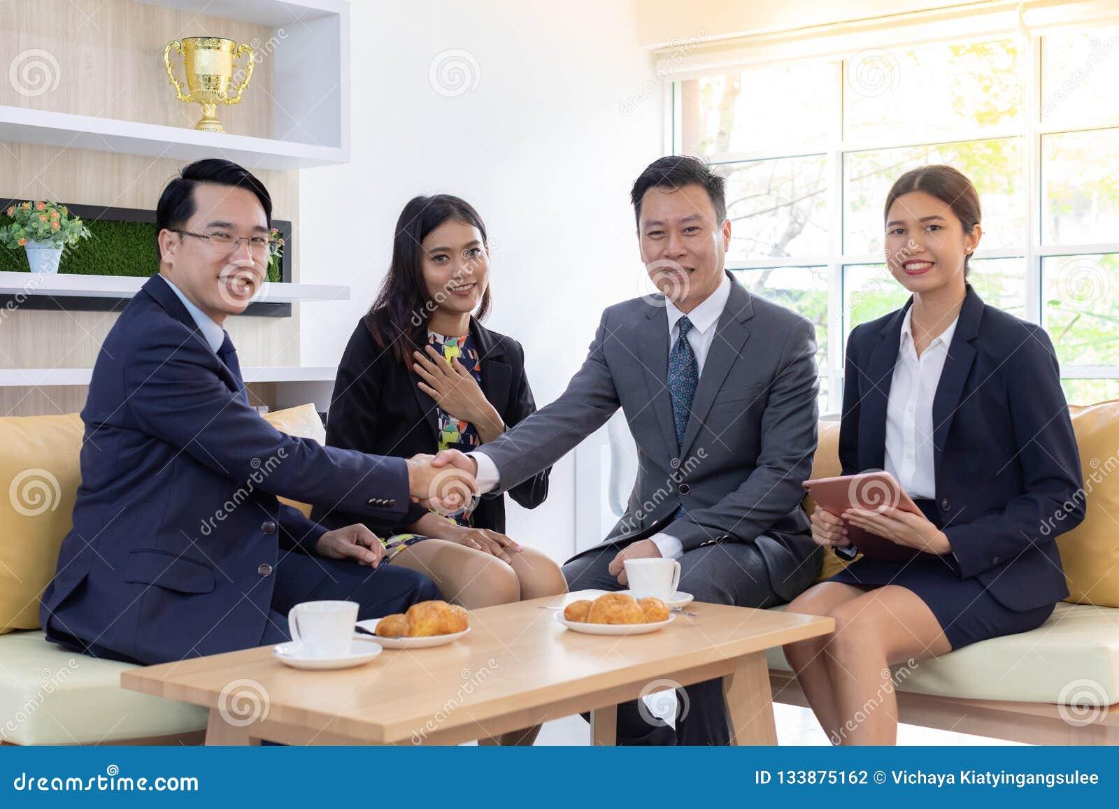Transakcji biznesowych połączenia