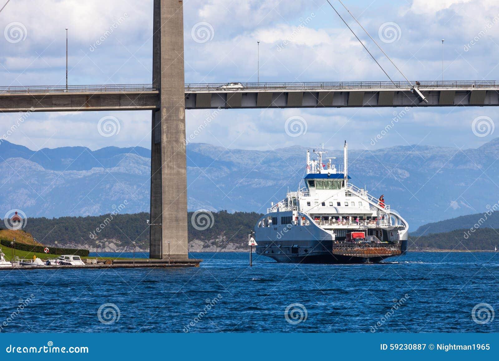Download Transbordador De Pasajero Del Coche Imagen de archivo - Imagen de nave, marina: 59230887