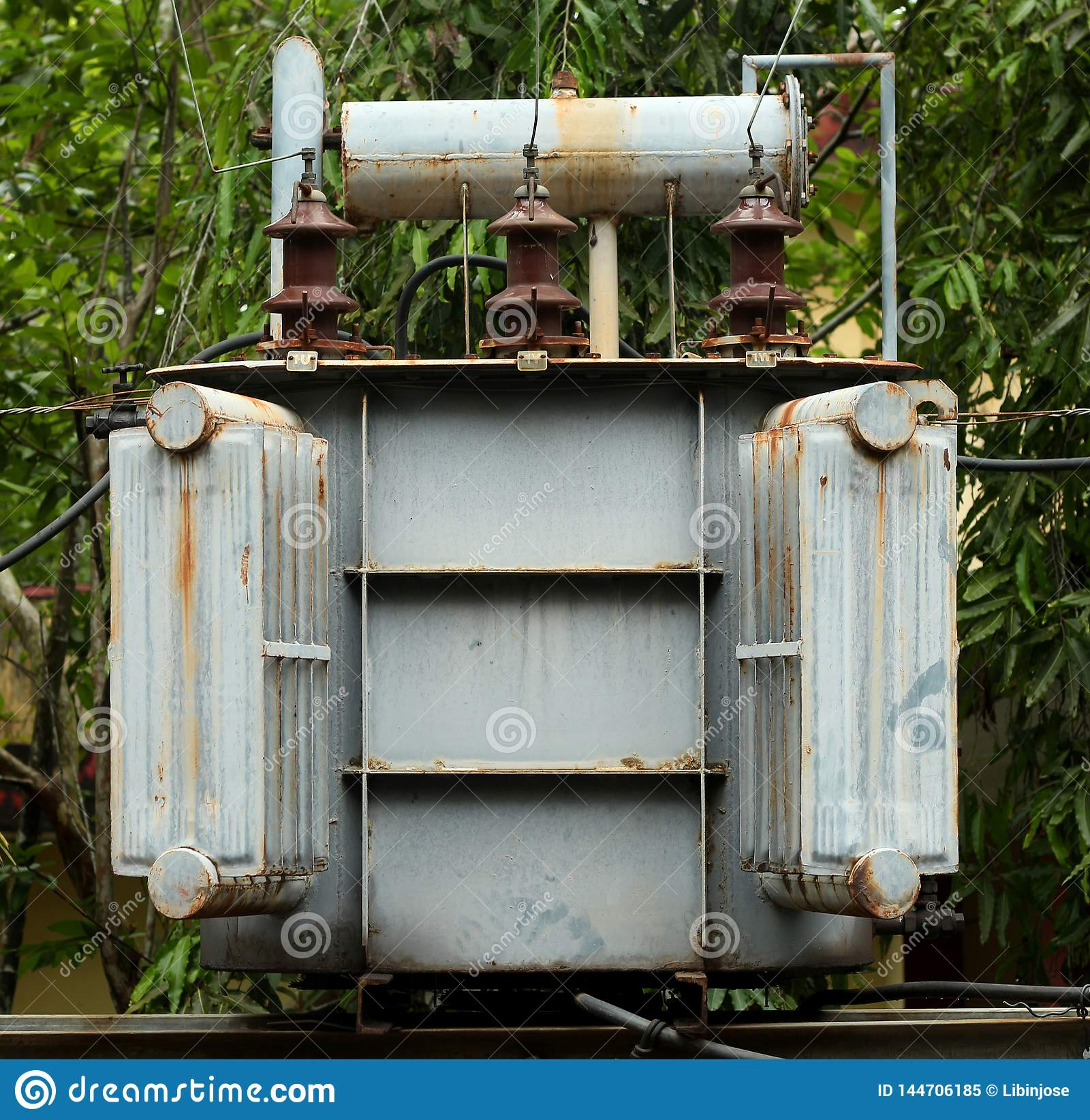 Transformatorowy elektryczny w poczcie