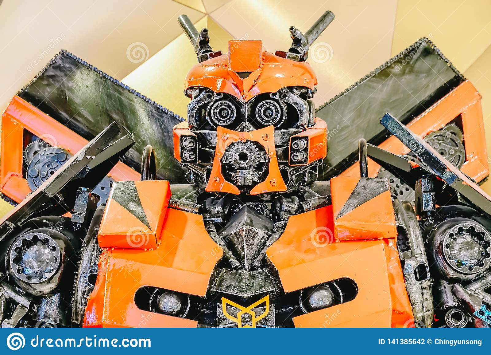 Transformatory Autobot promuje pełnometrażowego filmu film przy teatrem