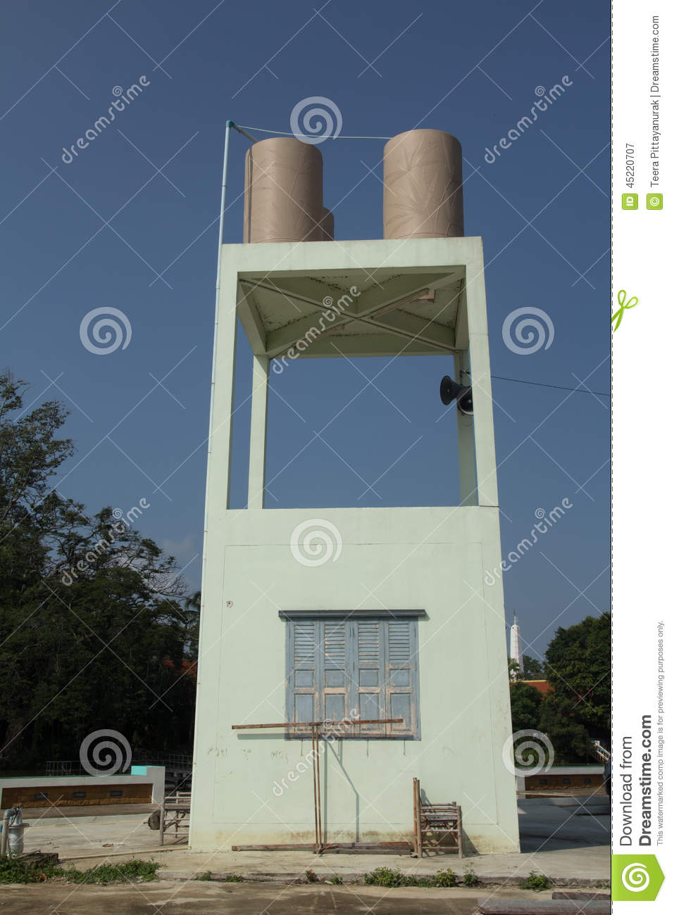 Transmission tower water