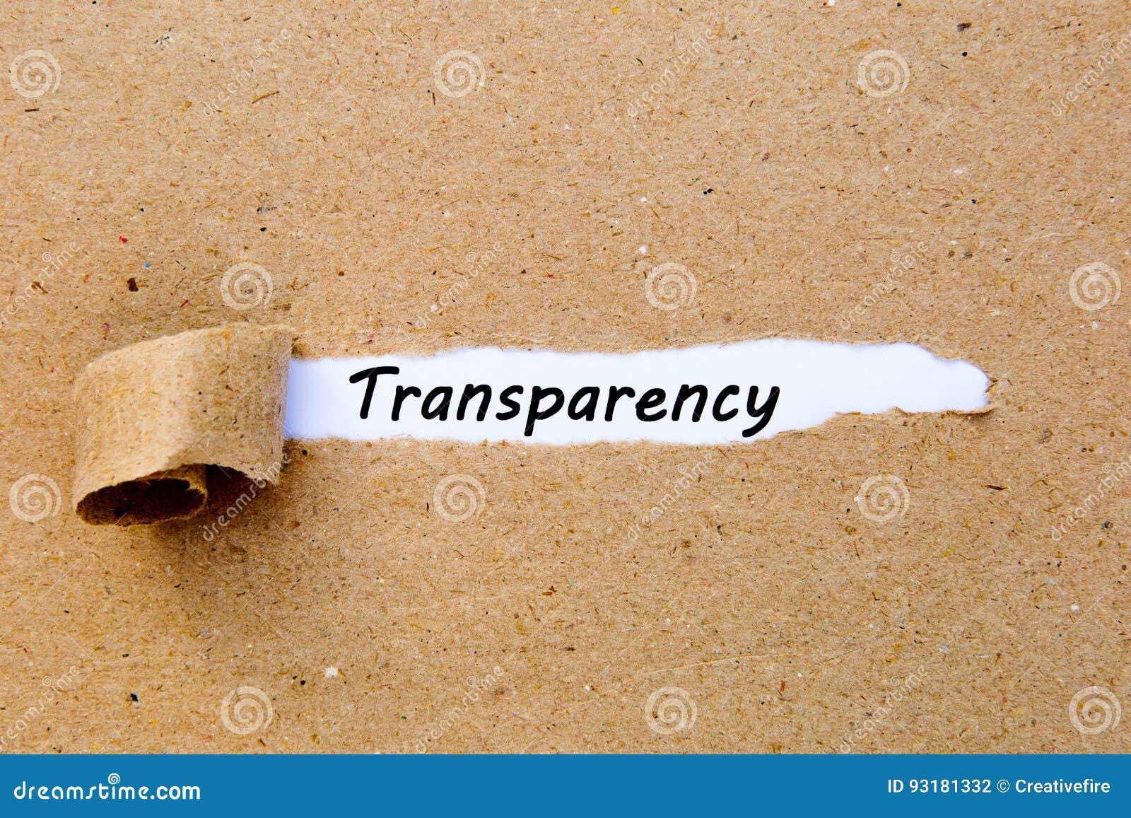 Transparantie - gedrukte tekst onderaan gescheurd pakpapier