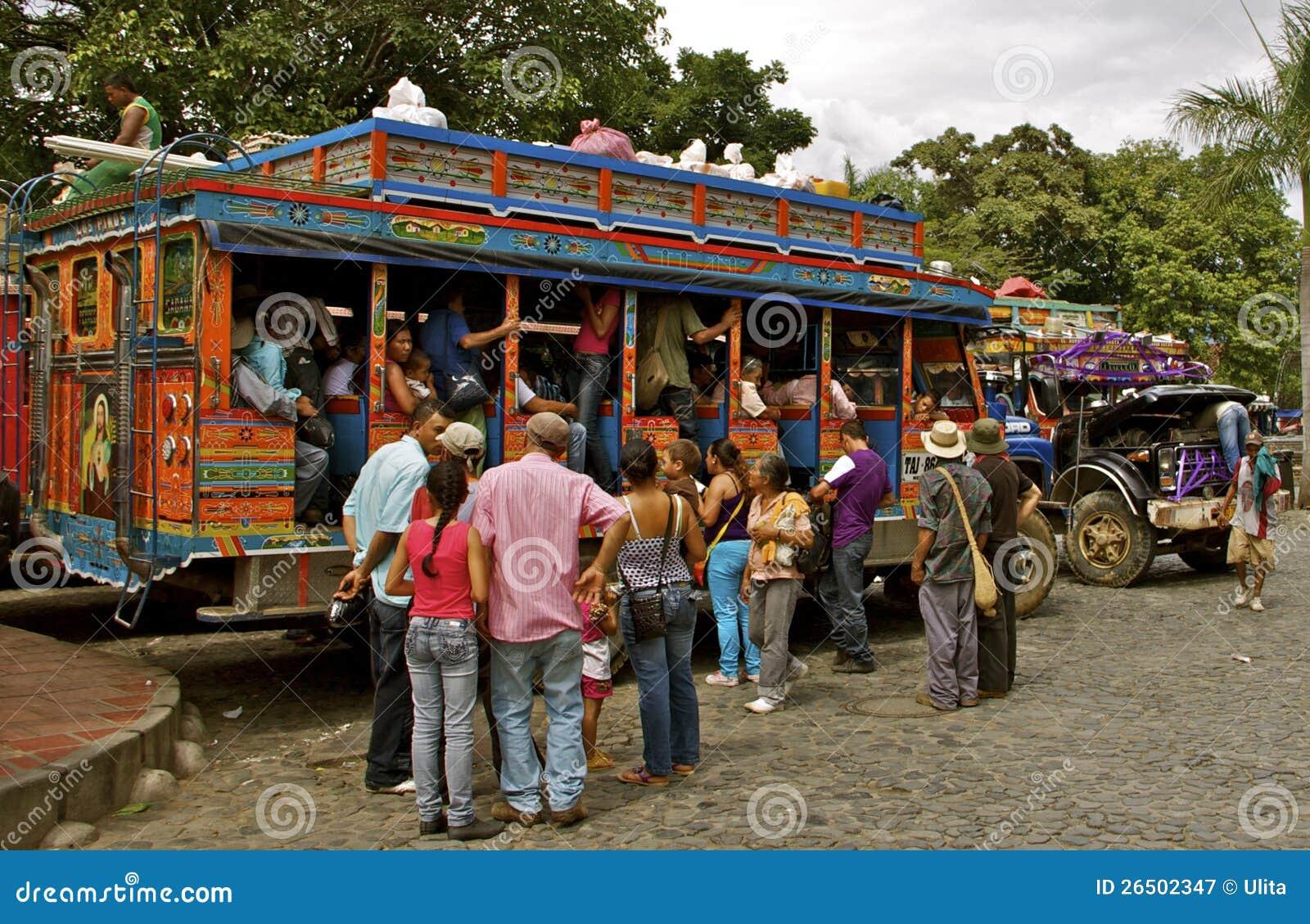 Transport en commun, bus de Chiva, Colombie