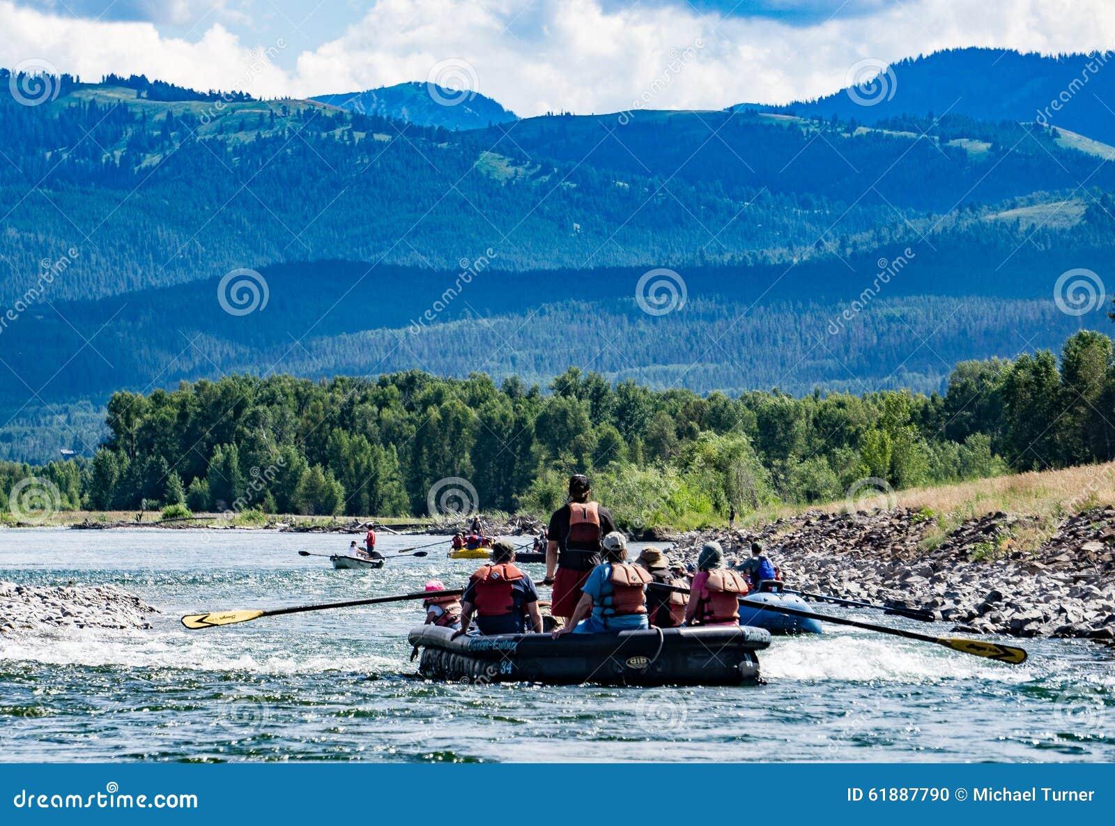 Transportando o rio Snake em Jackson Hole, Wyoming