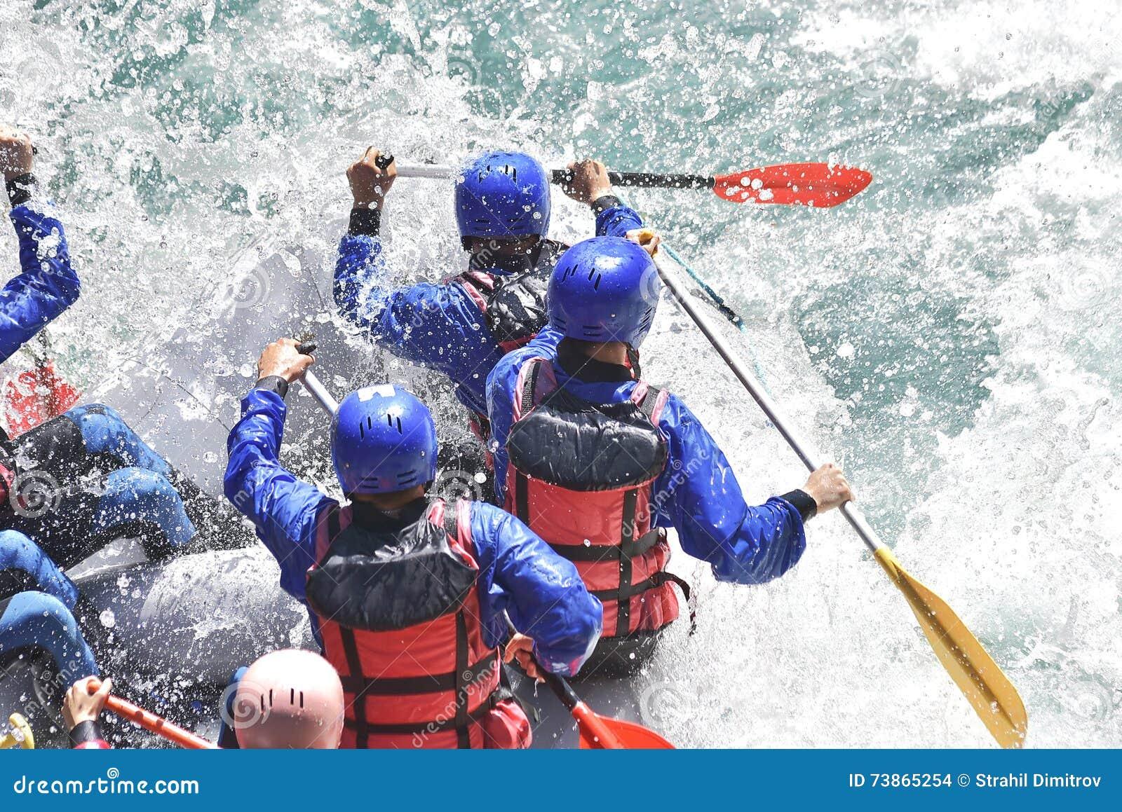 Transportar salpicar del equipo en balsa