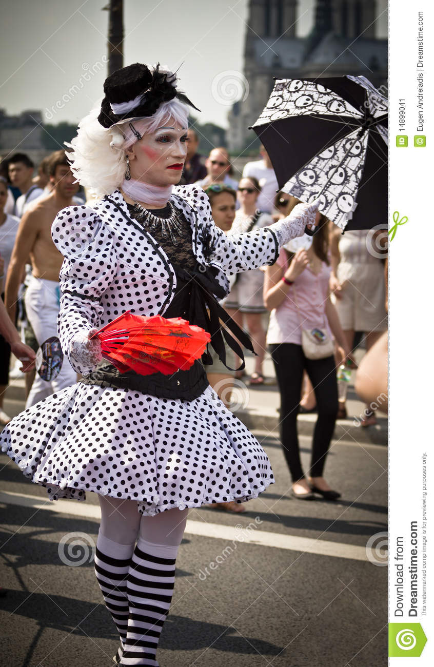 Gay pride transvestite