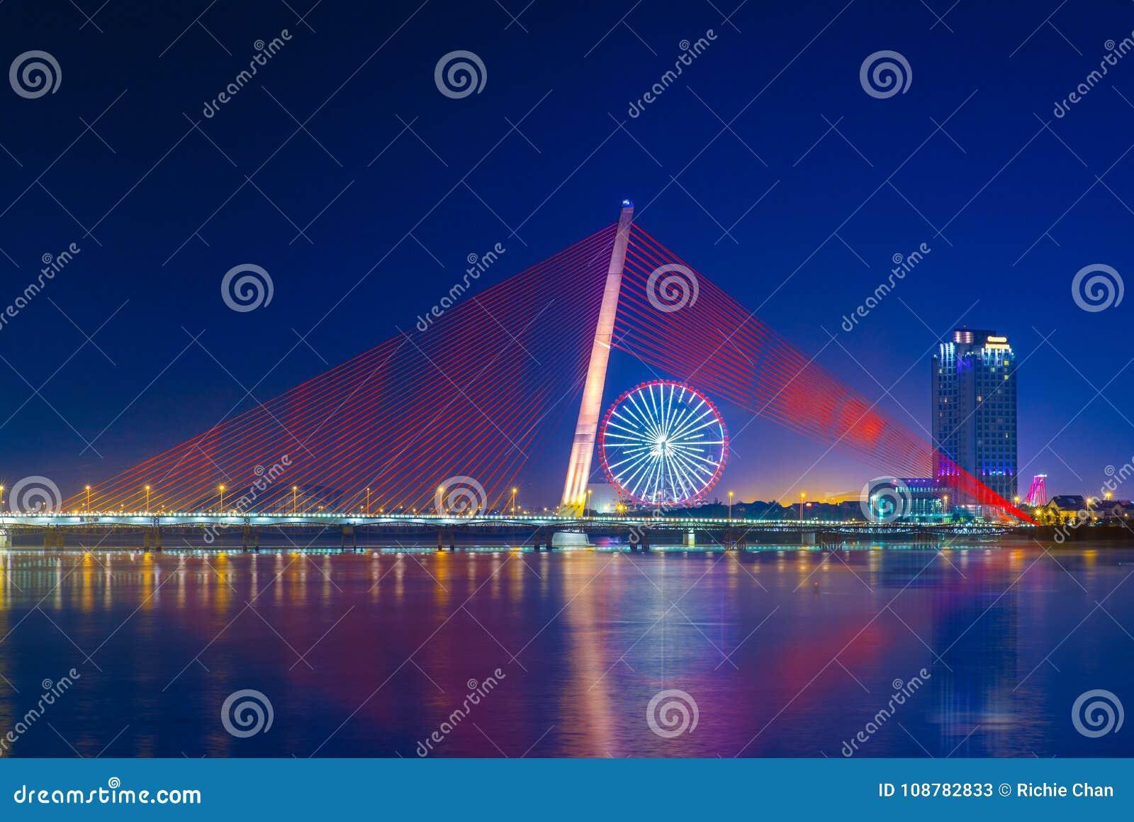 Tranu thi ly most i słońca koło