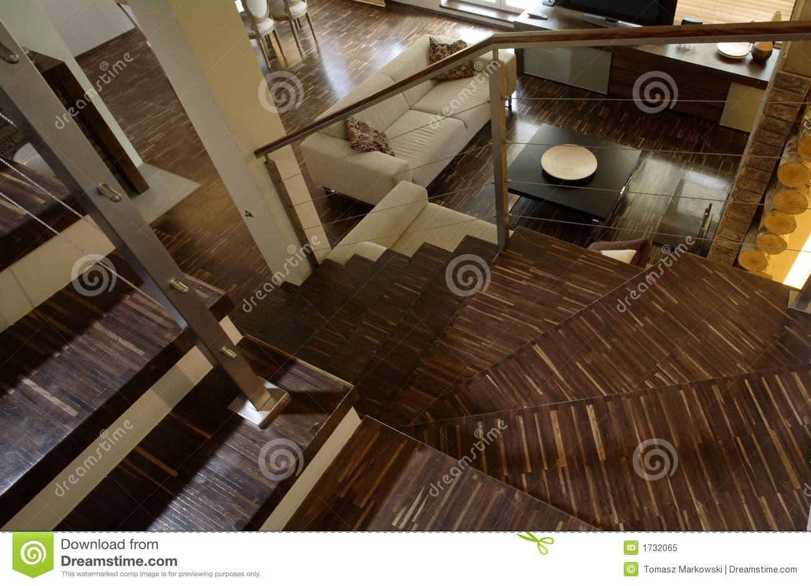 Trap in moderne woonkamer stock afbeelding afbeelding bestaande uit flat 1732065 - Foto moderne trap ...