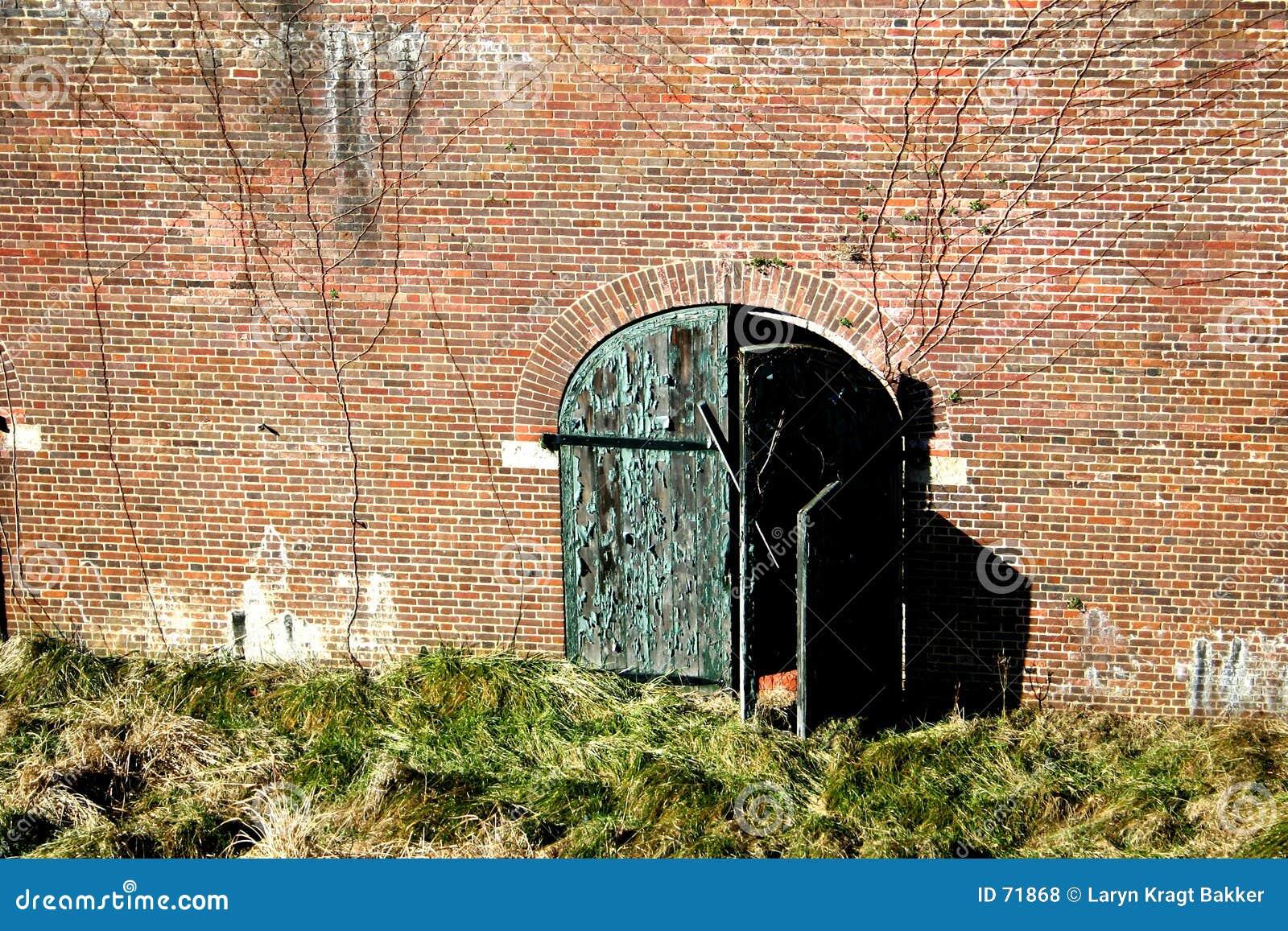 Trappe et mur superficiels par les agents