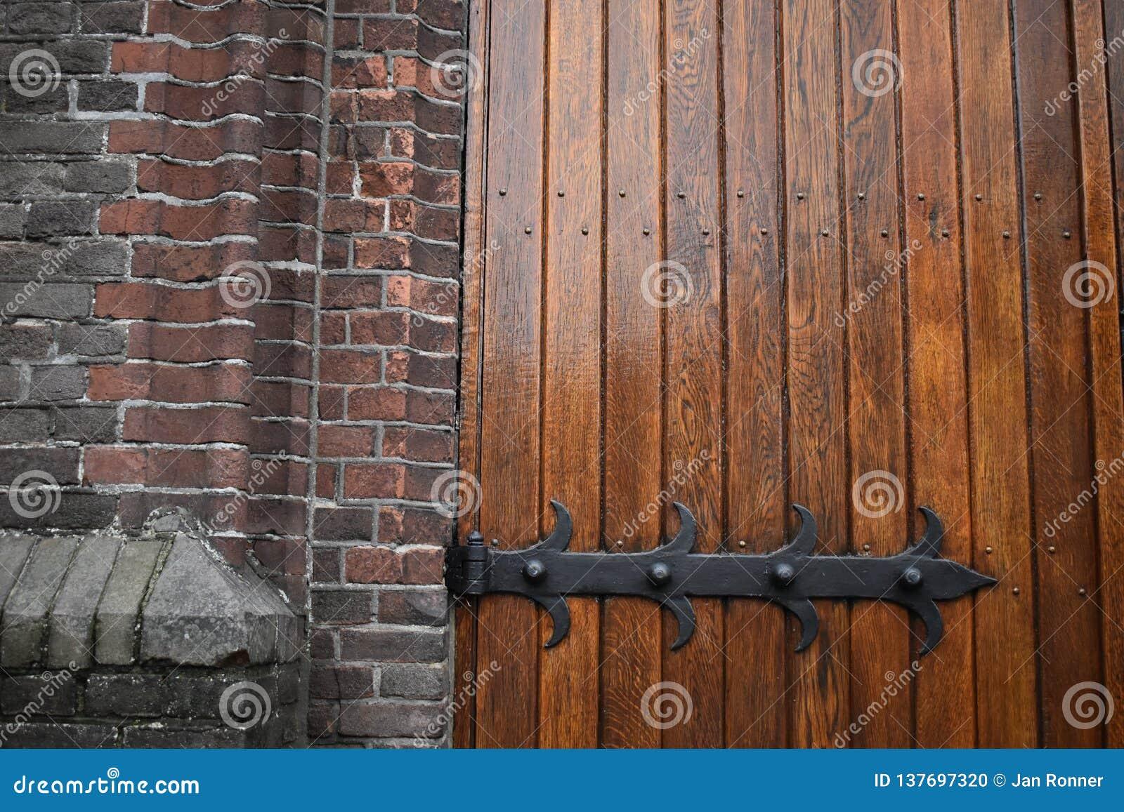 Trappes en bois d église