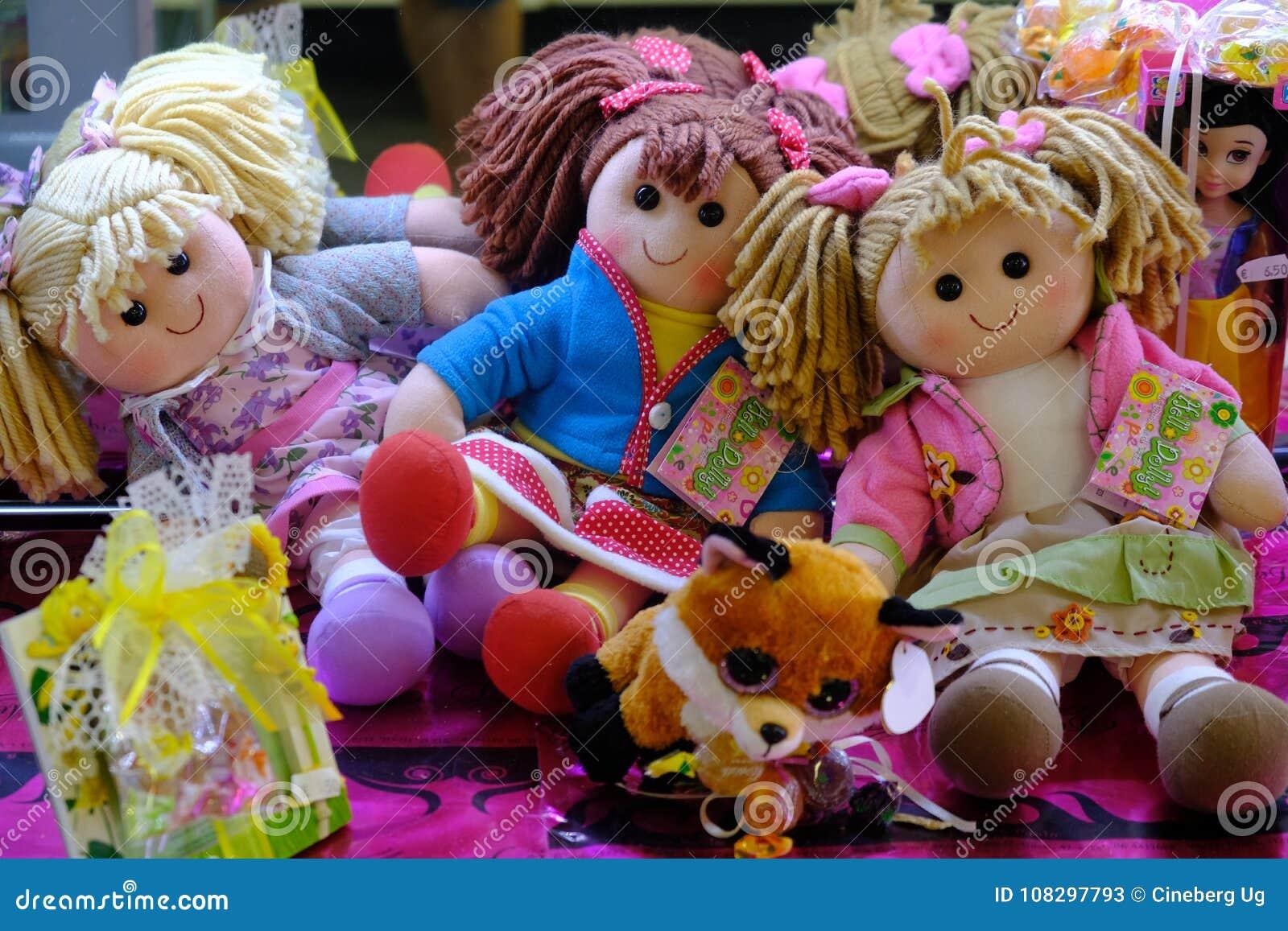 Trasdockor och dockor