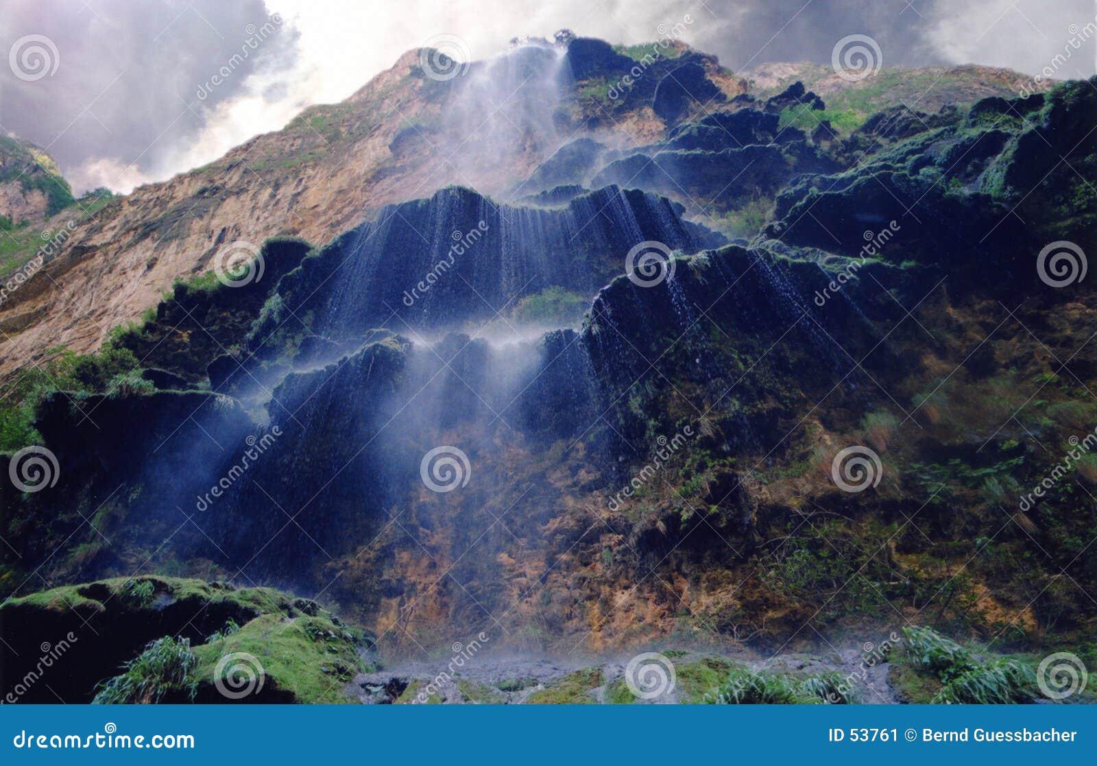 Tratar las cascadas con vapor