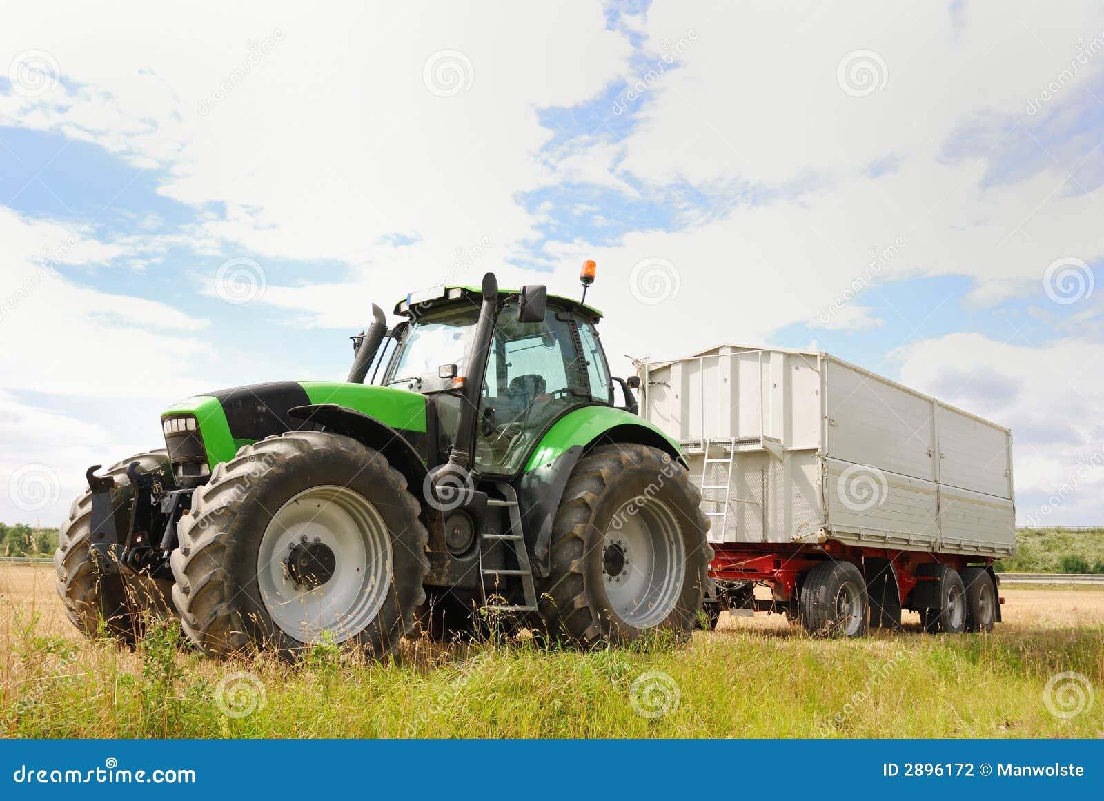 Trator de exploração agrícola
