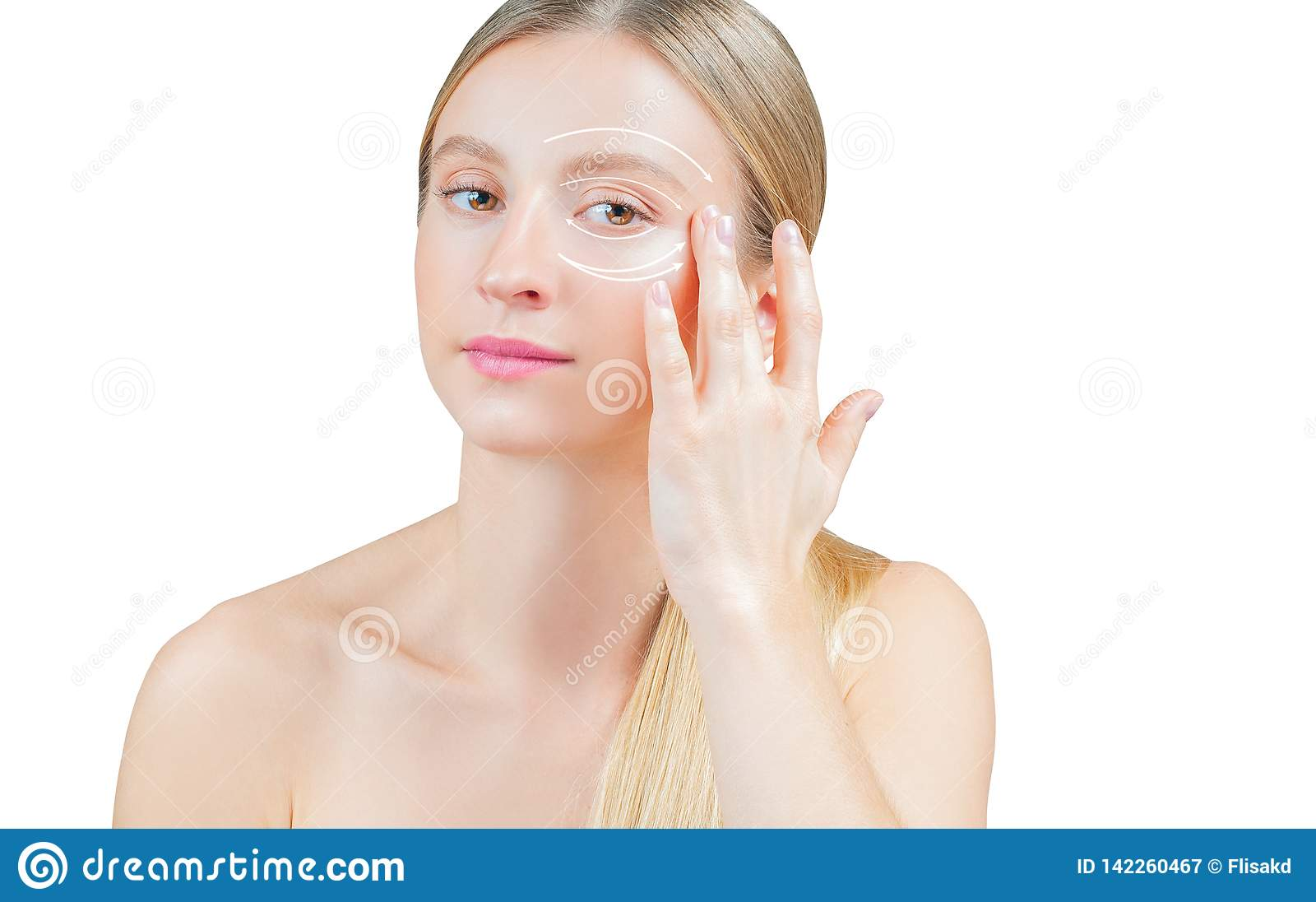 Trattamento e lifting facciale antinvecchiamento, bella donna con pelle perfetta con o le frecce intorno agli occhi