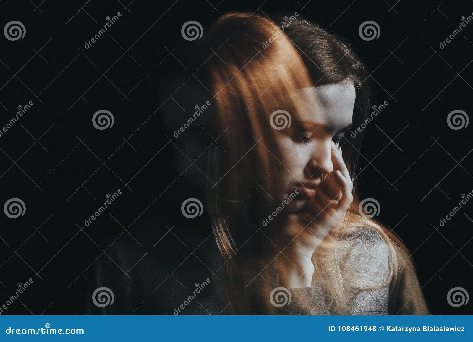 Trauriges Mädchen-Schreien