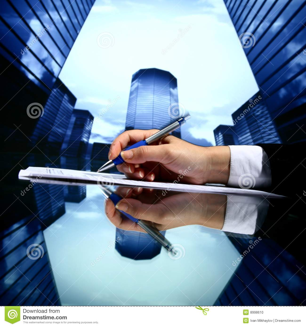 Travail d 39 agent immobilier photo stock image 8998610 for Com agent immobilier