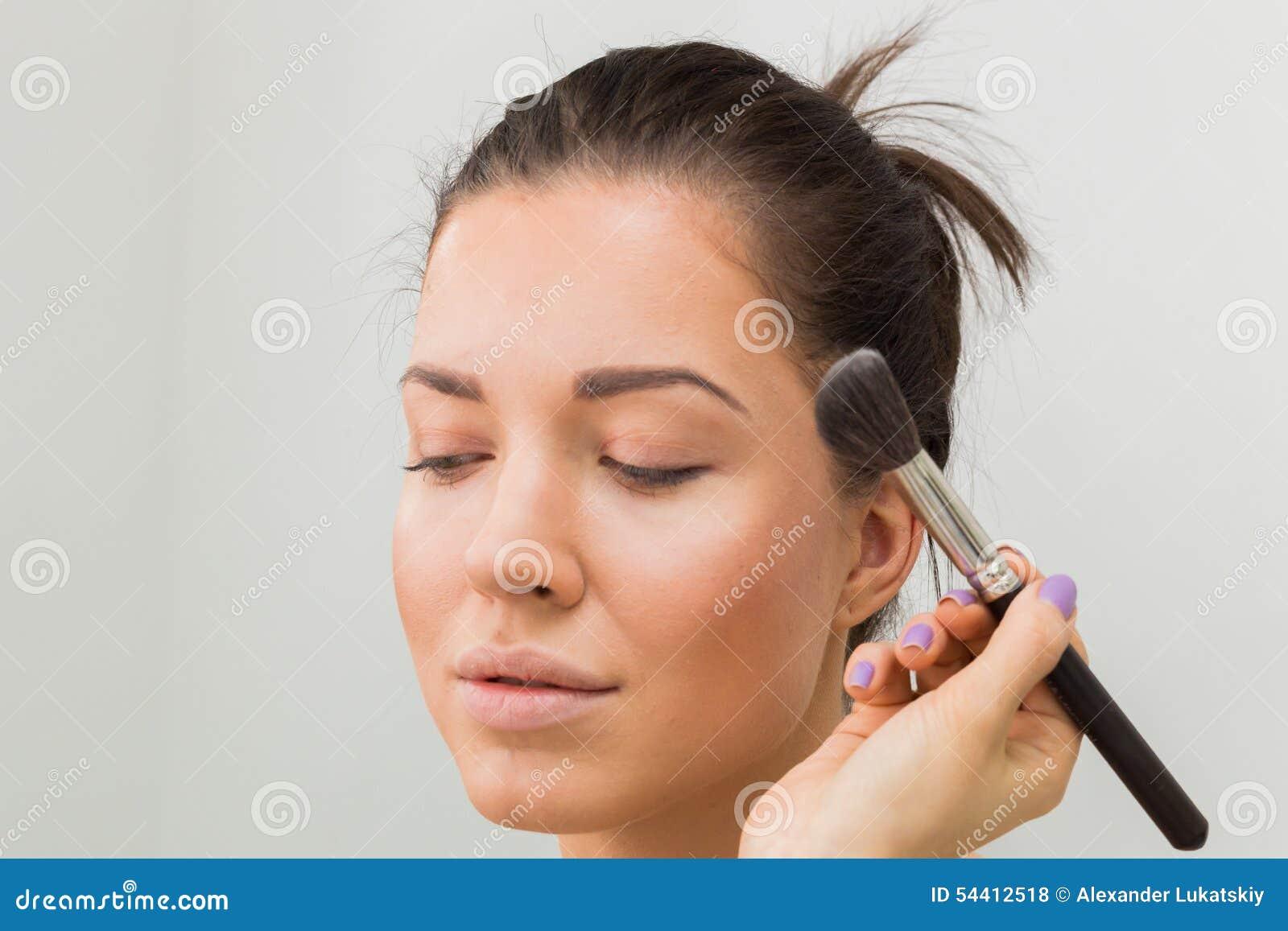 Travail d artiste de maquillage