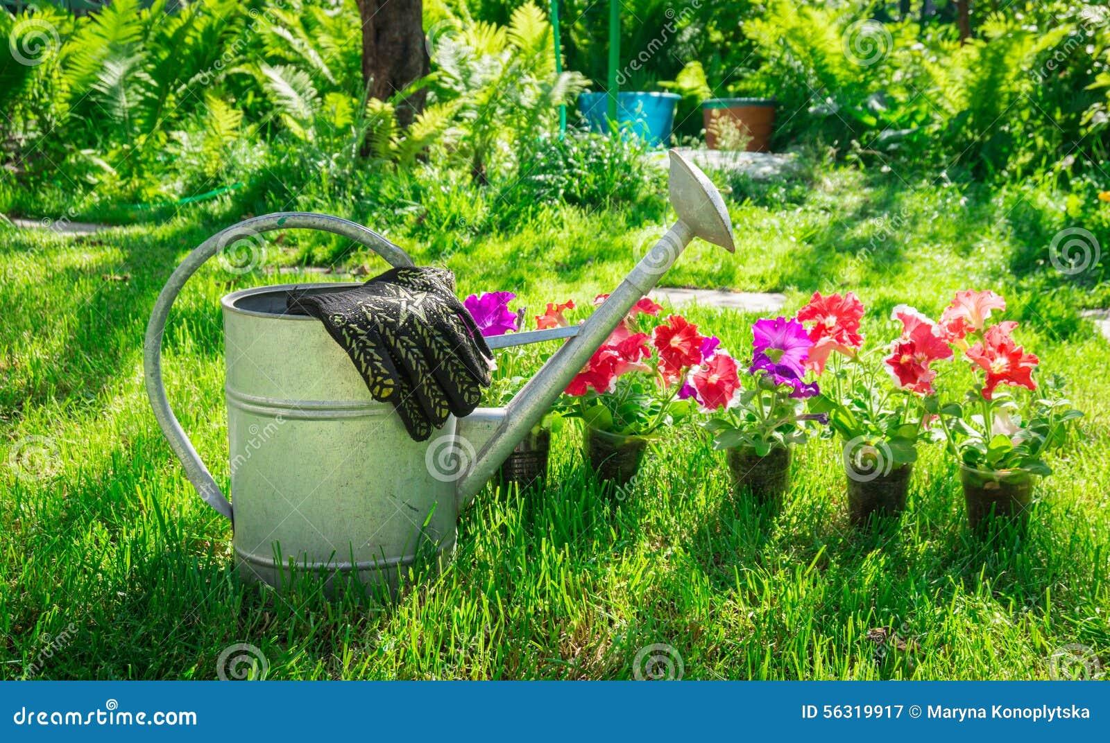 Travail Dans Le Jardin Repos Pour L Ame Image Stock Image