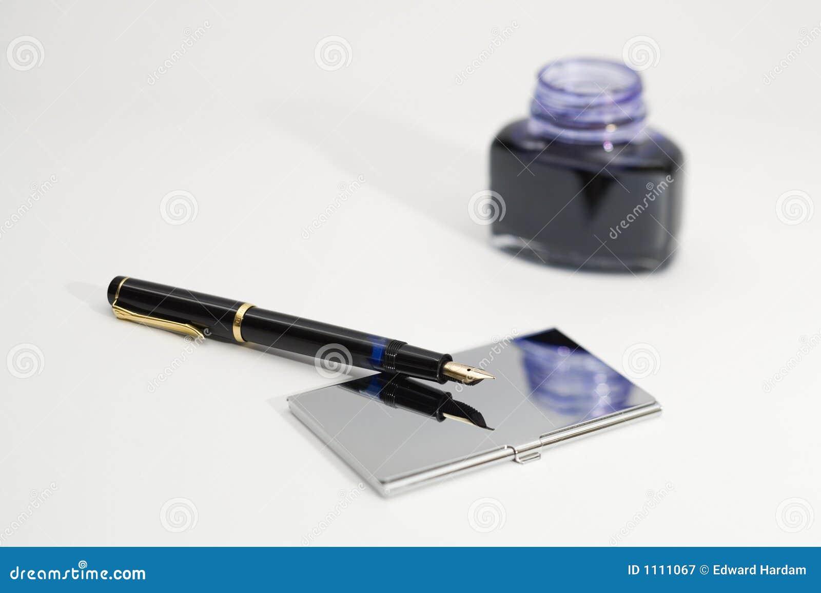 Travail de bureau photographie stock libre de droits image 1111067 for Photos gratuites travail bureau