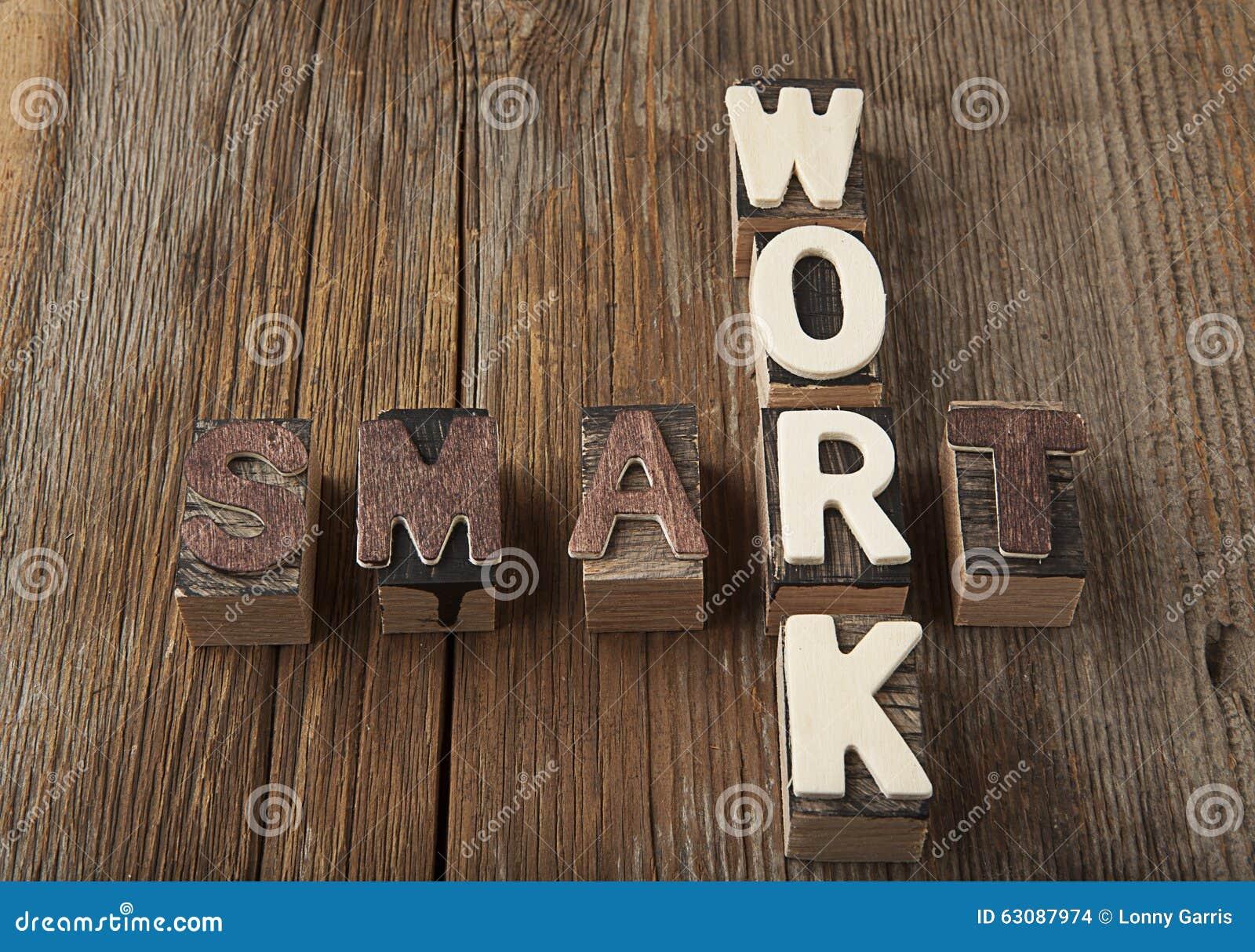 Download Travail Smart Dans Les Lettres Rustiques Photo stock - Image du lumière, rayé: 63087974