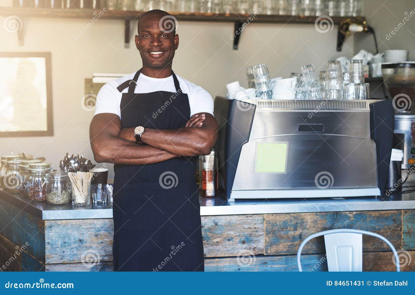Mâle noir à sexe masculin
