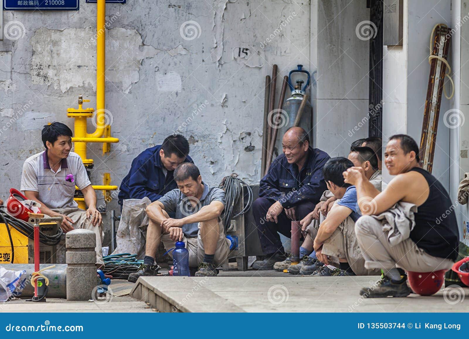 Travailleurs migrants sur la rue
