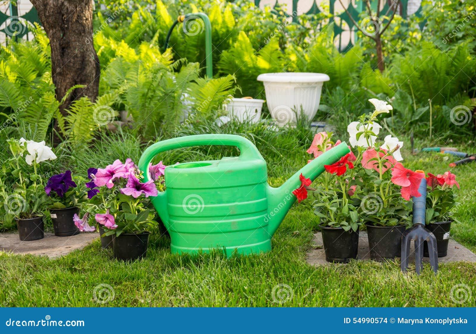 Travaillez Dans Le Jardin Comme Festin Pour L Ame Photo