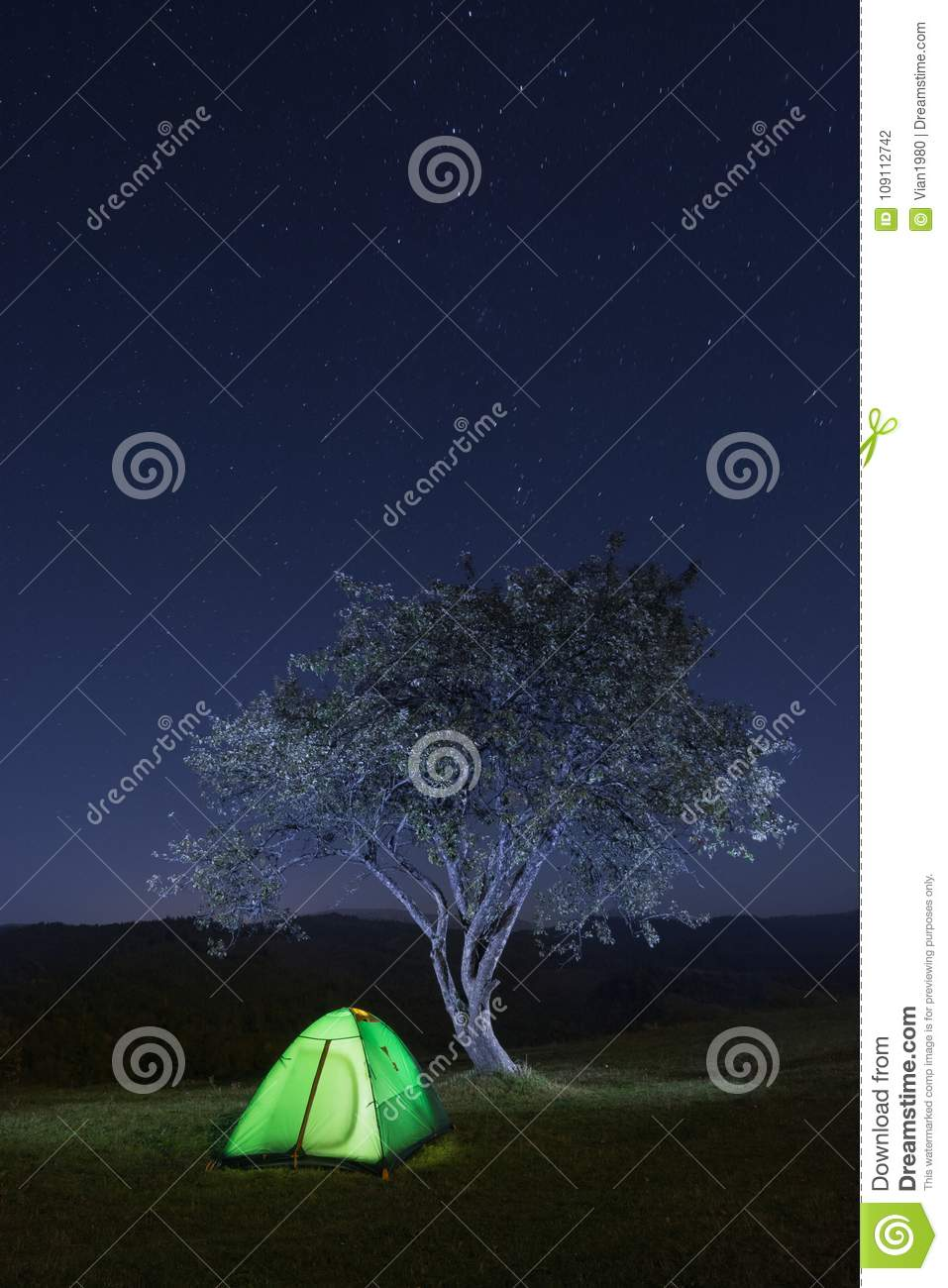 Travel tent under the stars