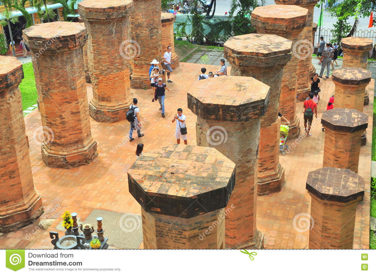 Travellers are visiting the Ponagar temple in Nha Trang