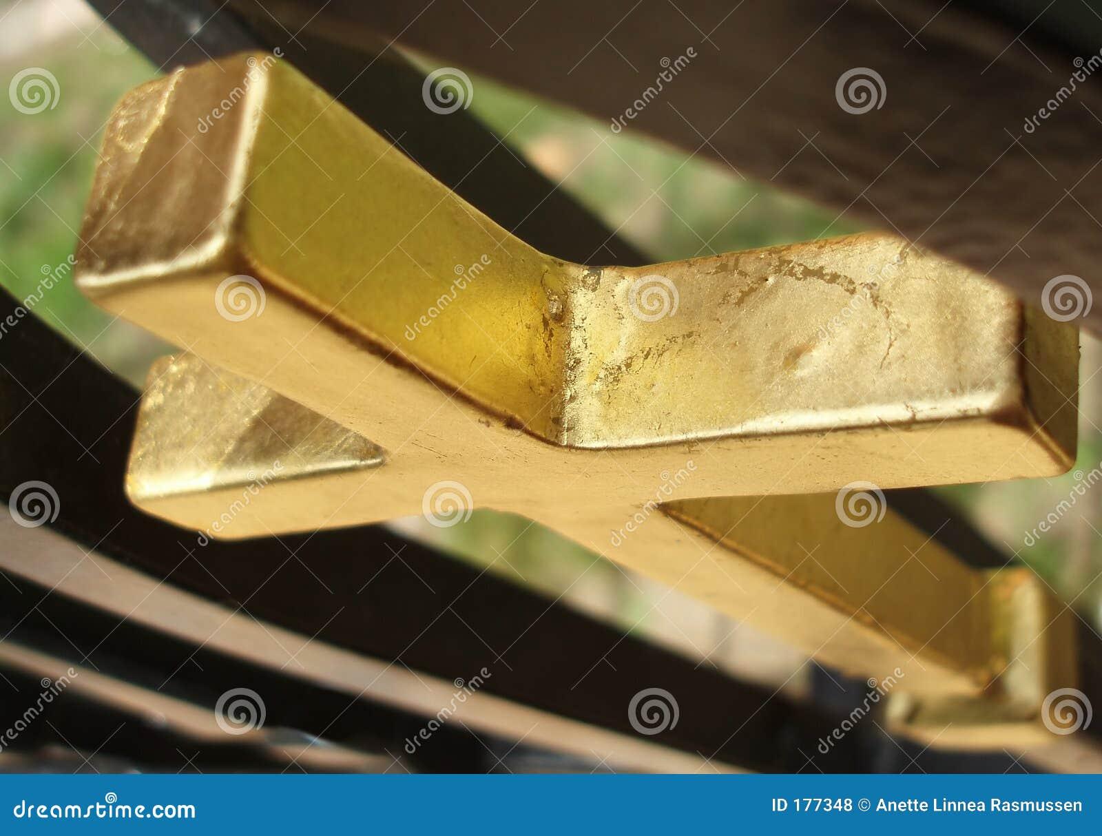 Traversa dorata