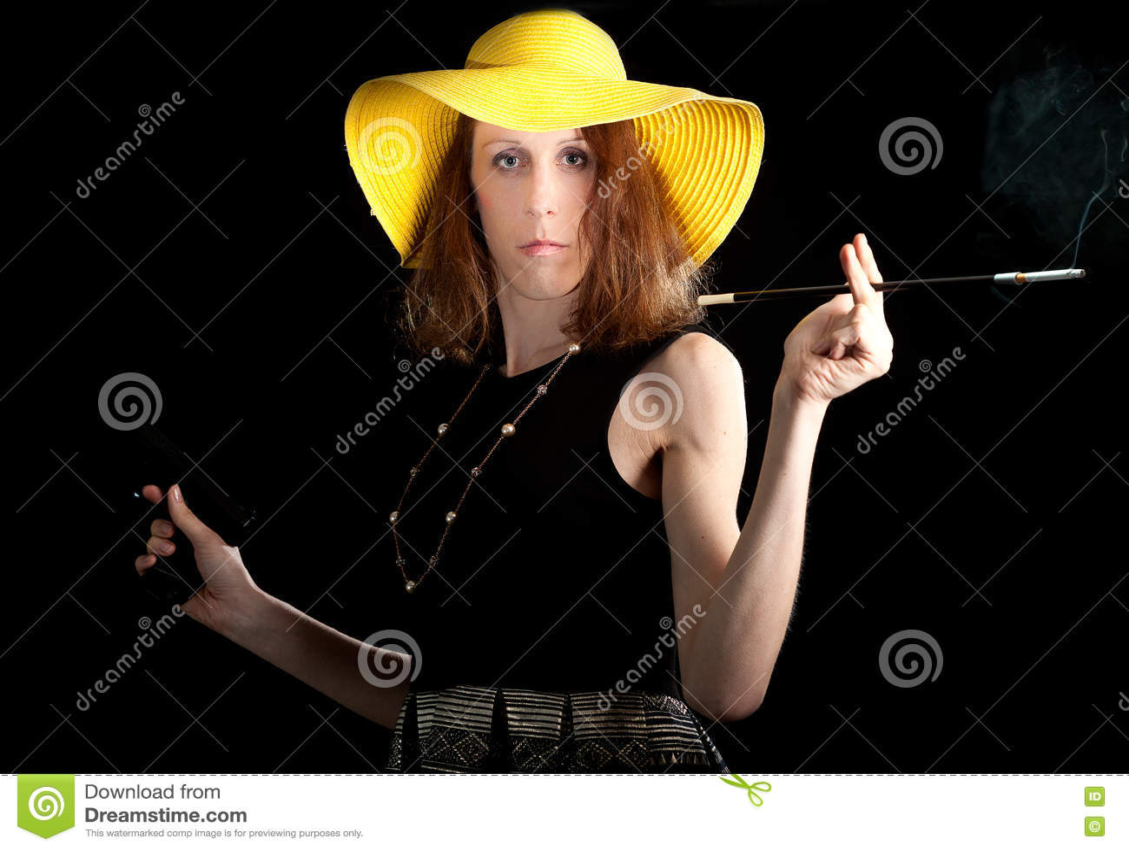 Travestite人妇女枪烟斗