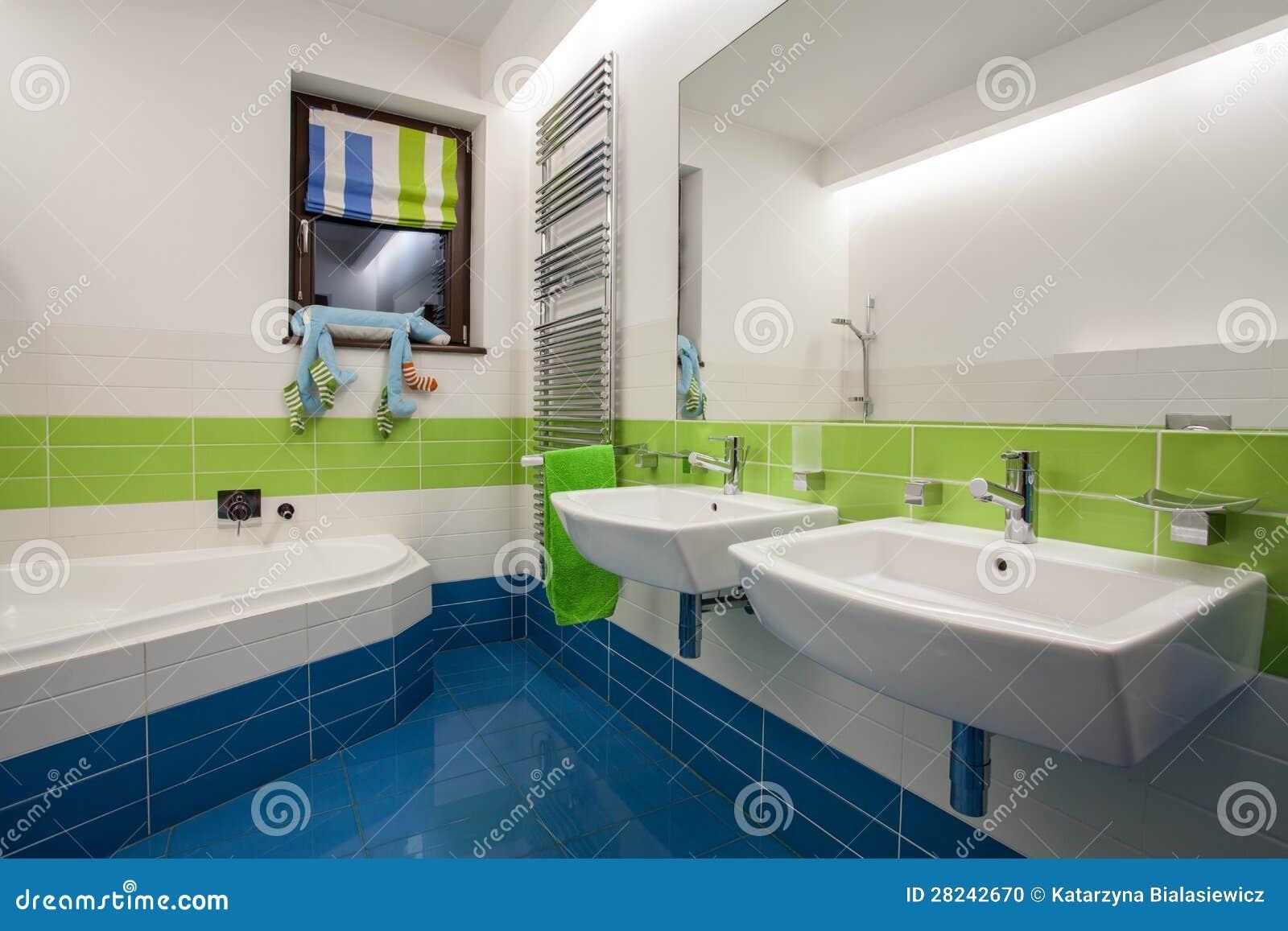 Trawertynu Dom Kolorowa łazienka Zdjęcie Stock Obraz