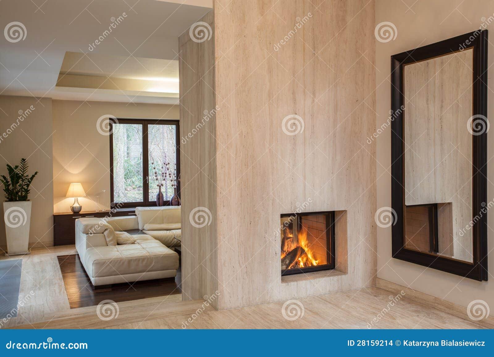 Trawertynu dom: korytarz