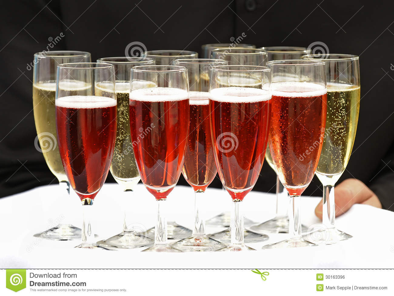 Try of sparkling wine