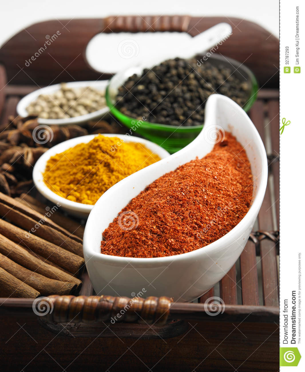 Tray of spices stock photos image 32787293 for 7 spices asian cuisine