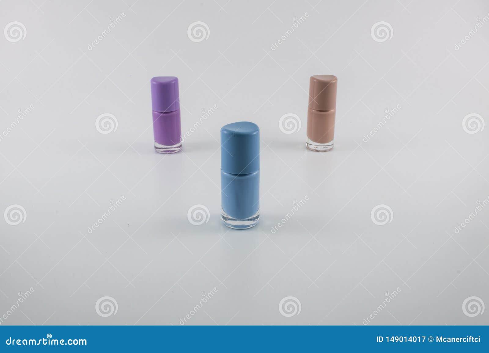 Tre colori di smalto