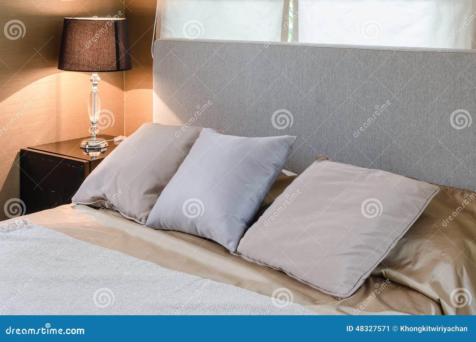 Cuscini sul letto casamia idea di immagine - Cuscini da letto ...