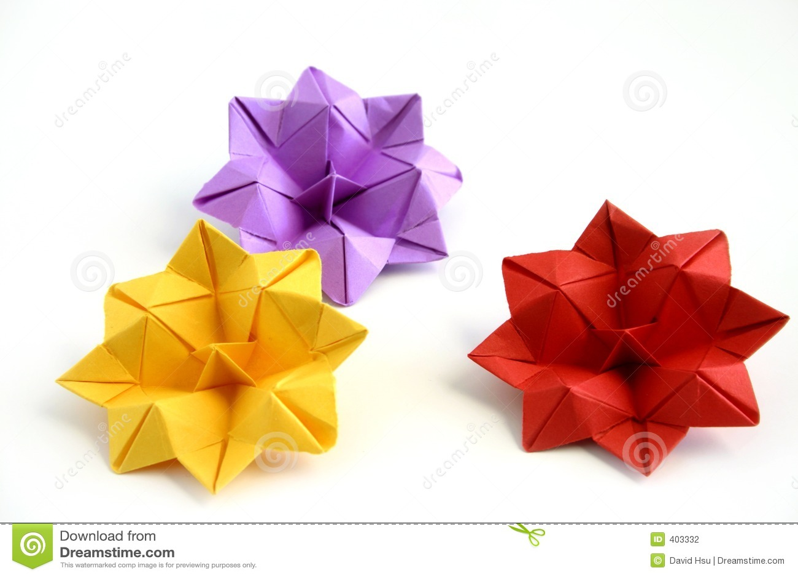 Tre fiori di loto di origami
