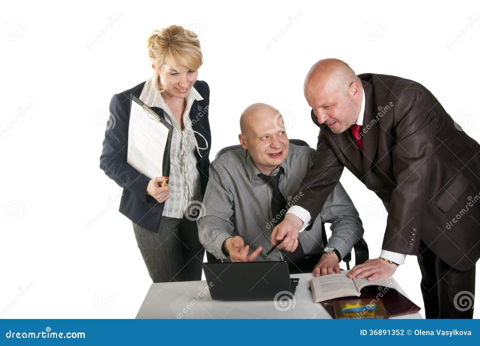 Download Tre Genti Di Affari Che Lavorano Alla Riunione Fotografia Stock - Immagine di documento, laptop: 36891352