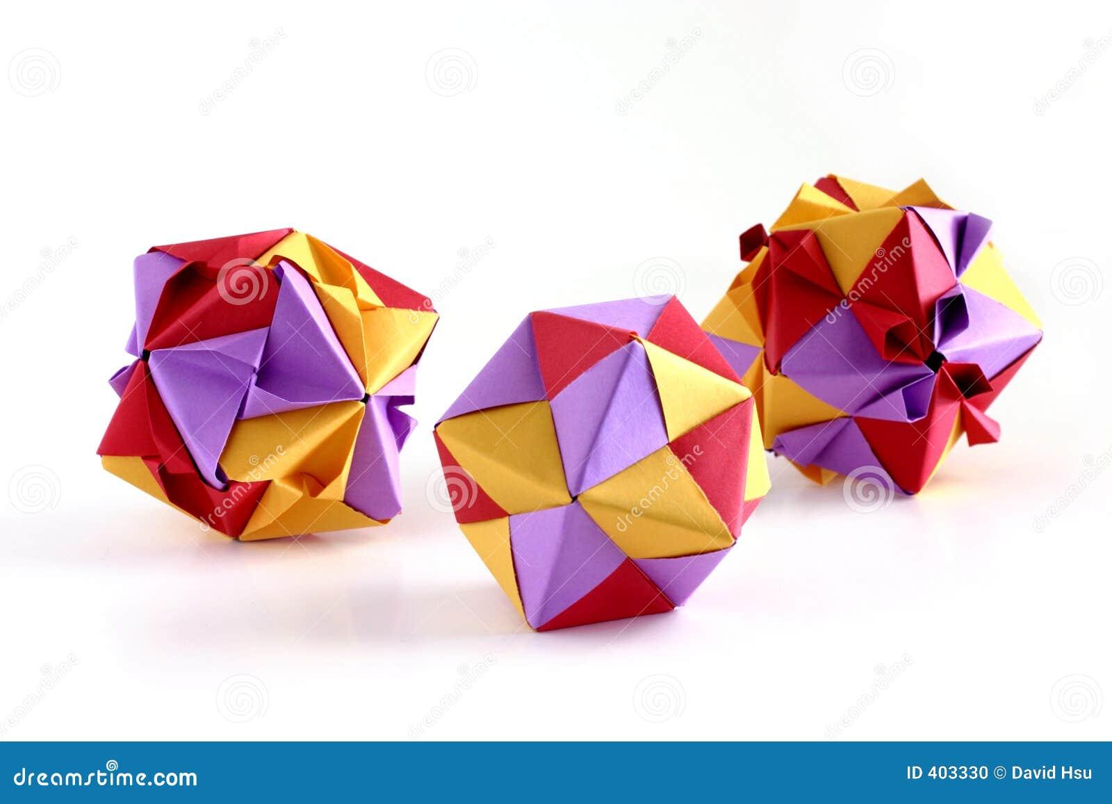 Tre insiemi di origami