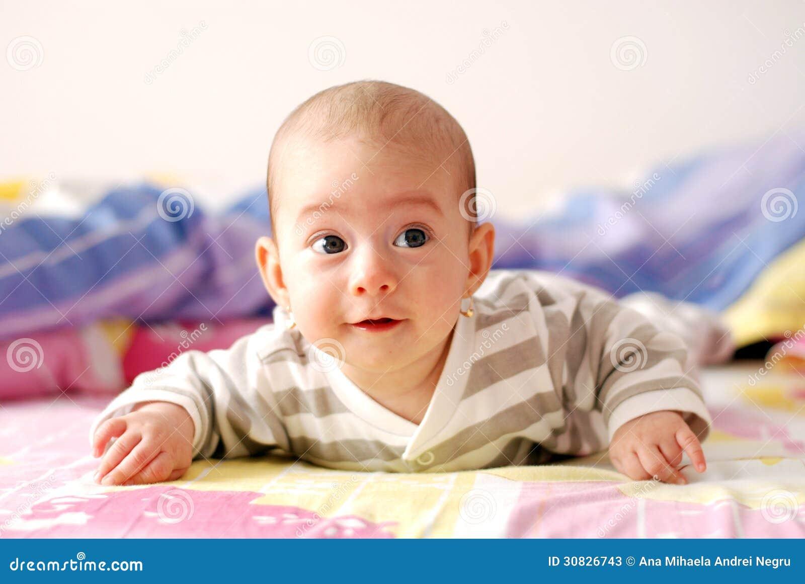 Tre mesi sorridere della neonata