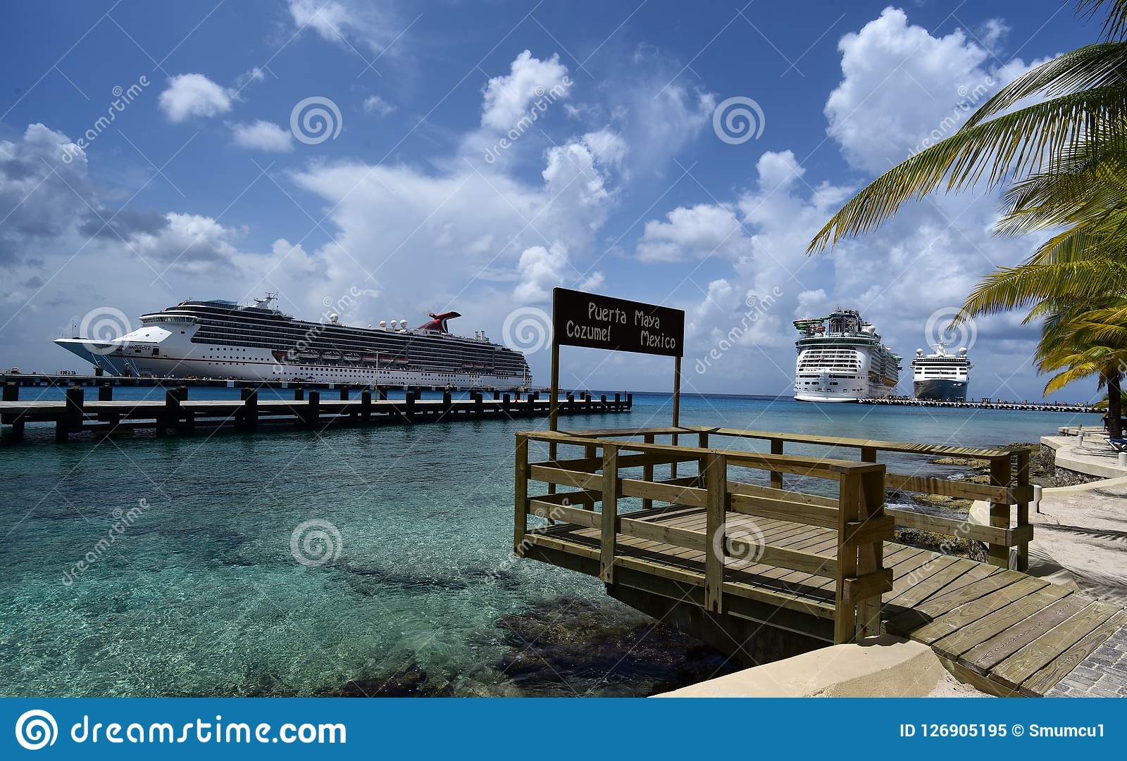 Tre navi da crociera in Cozumel, Messico