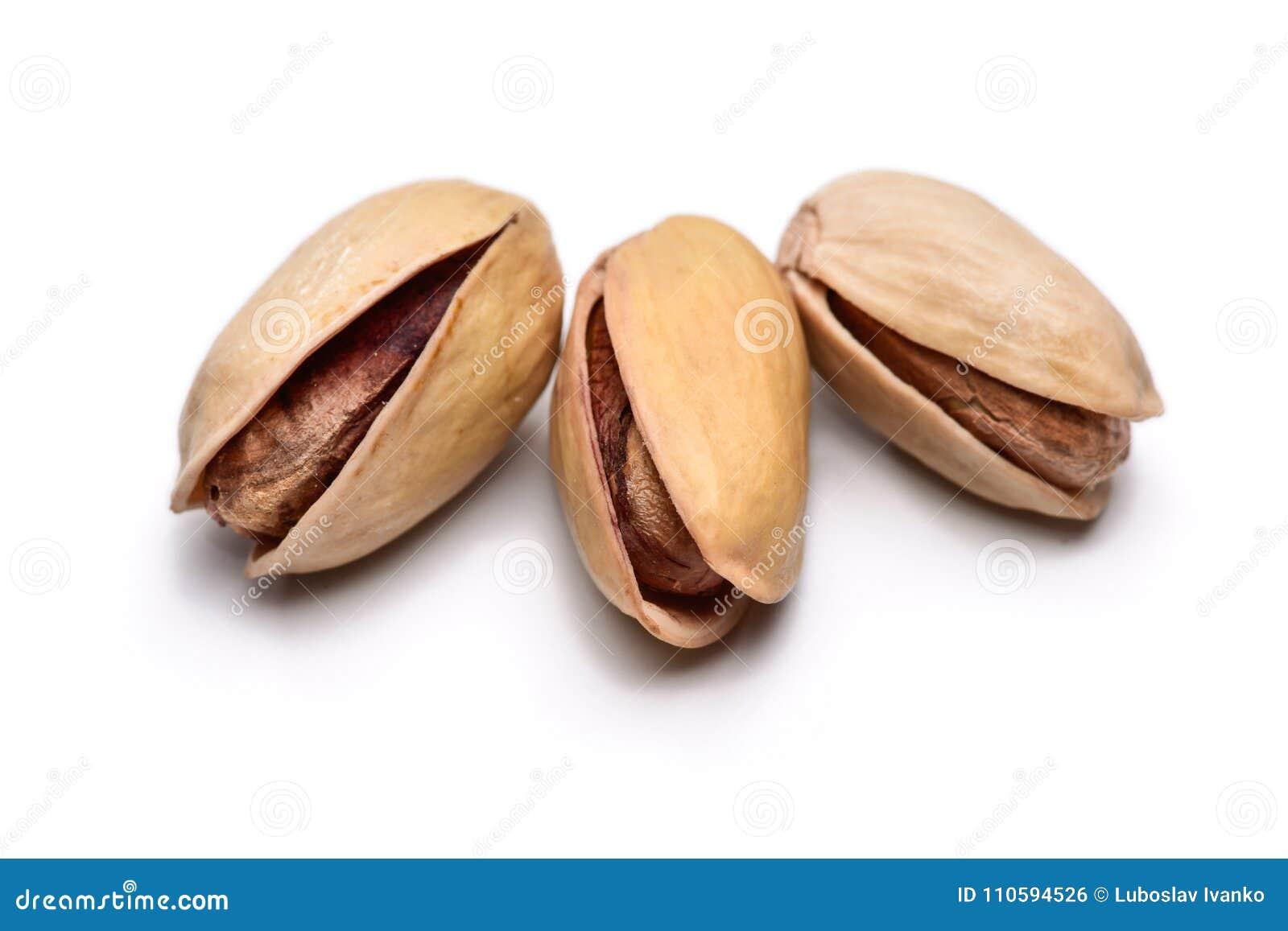 Tre pistacchi arrostiti