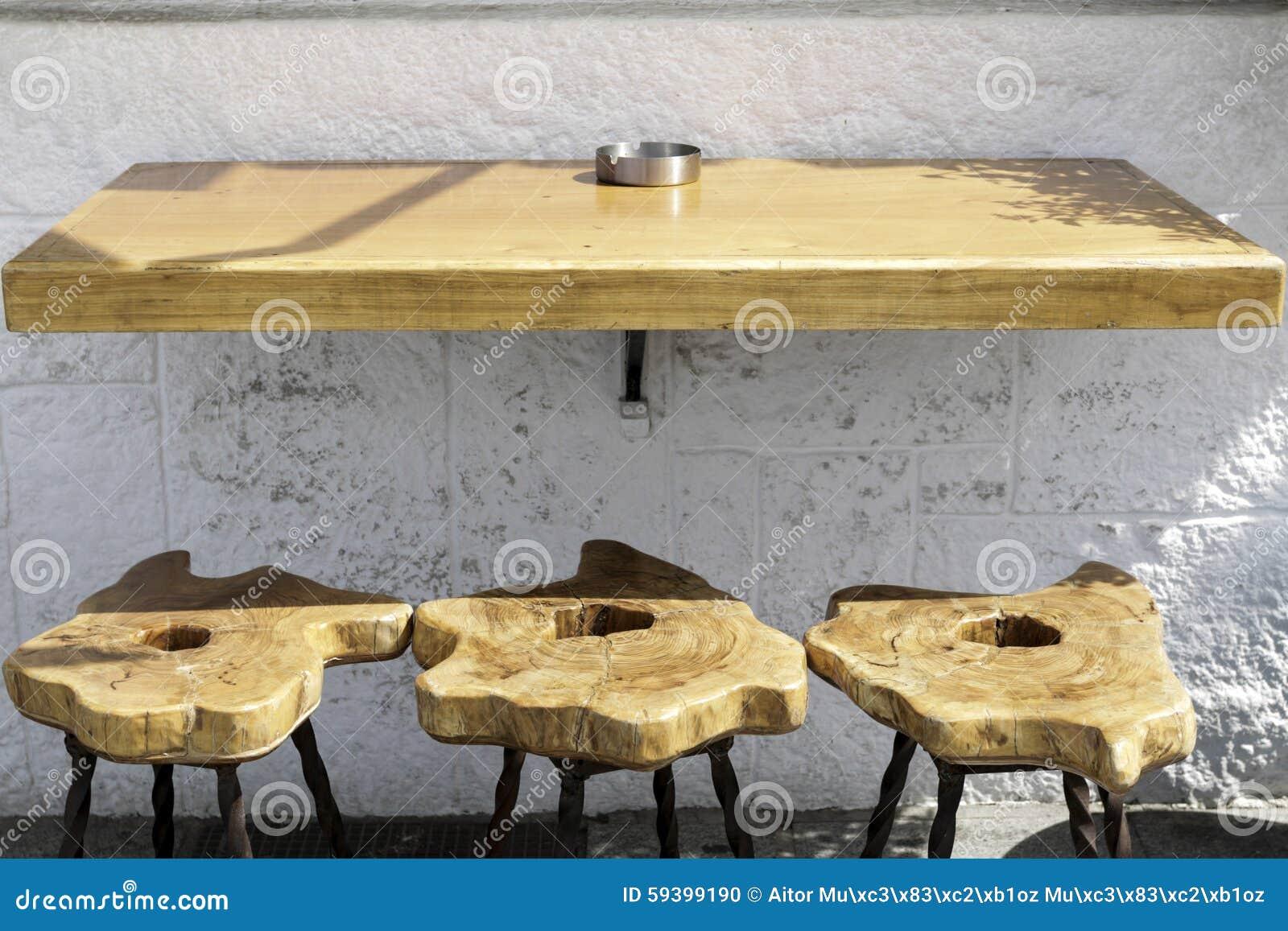 Dagoba u tavolo artigianale da pic nic u studiosuperfluo