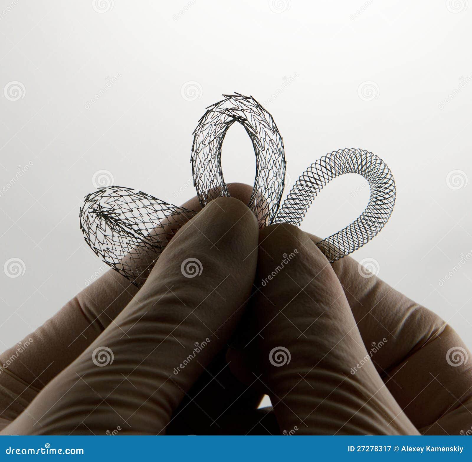 Tre stents för endovascular kirurgi