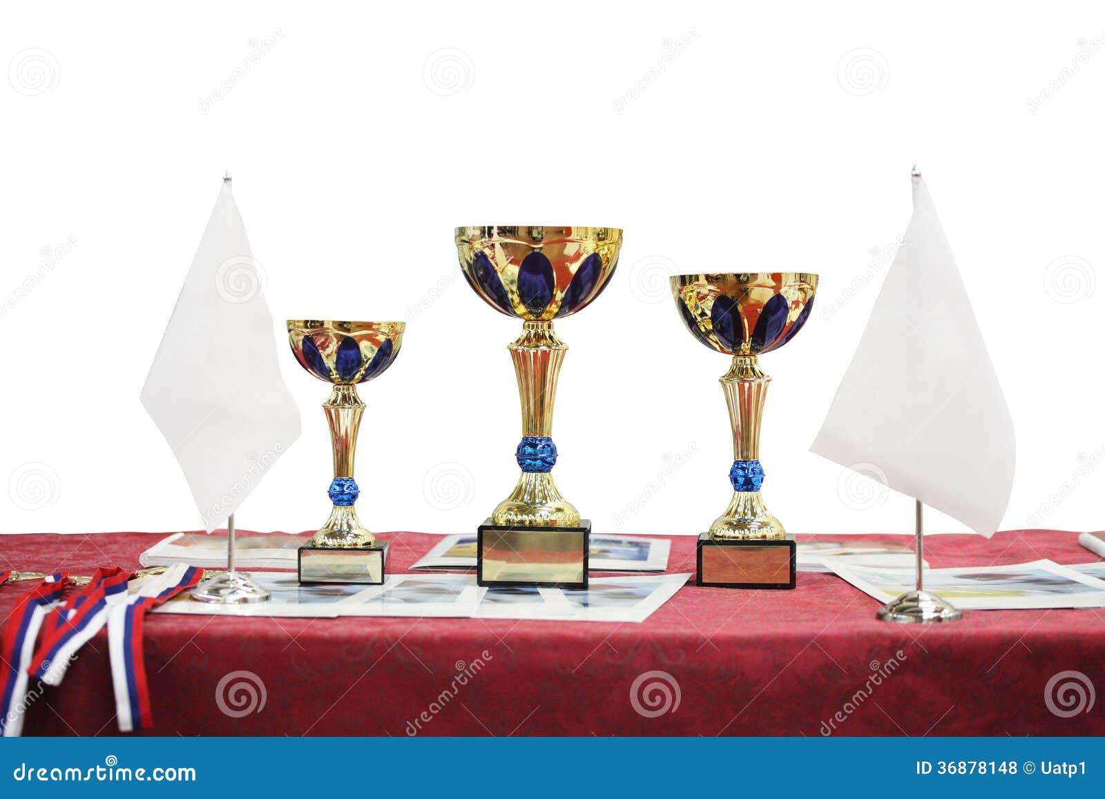 Download Tre tazze premiate fotografia stock. Immagine di premio - 36878148