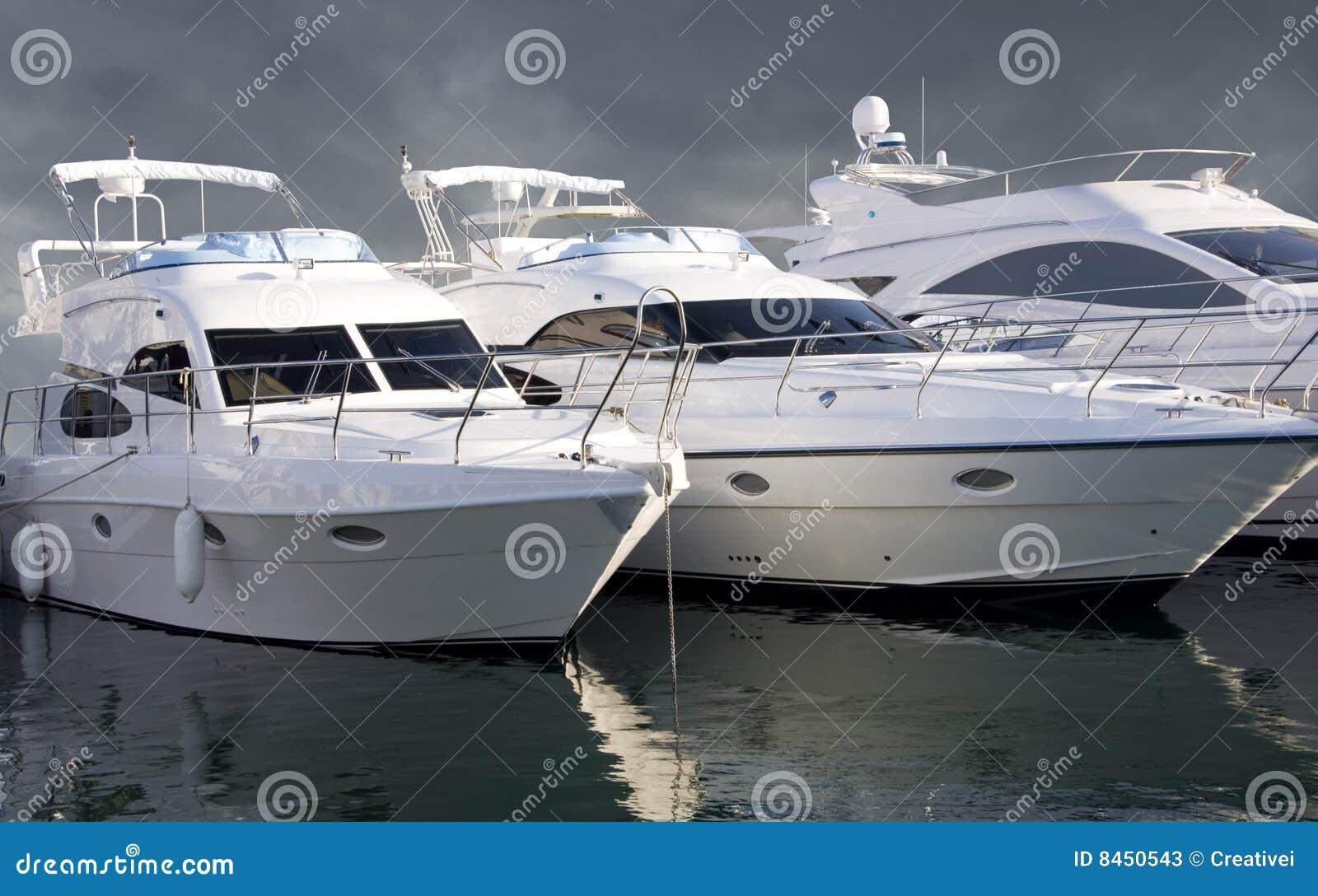 Tre yachter