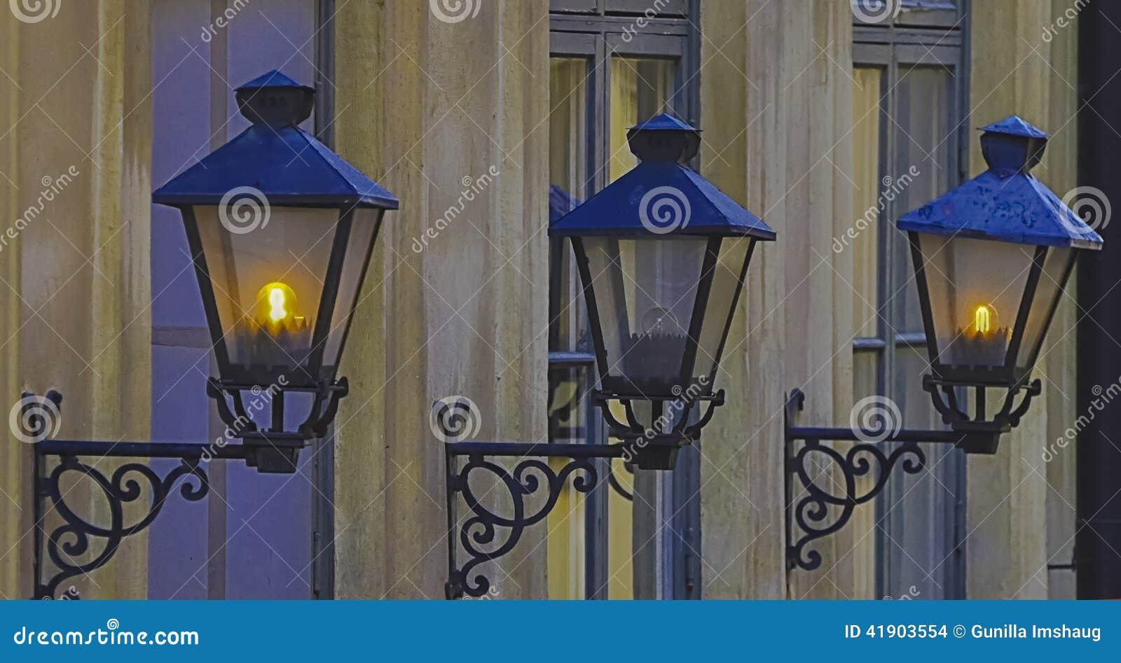 Tre Yttre Gamla Lampor Arkivfoto - Bild: 41903554